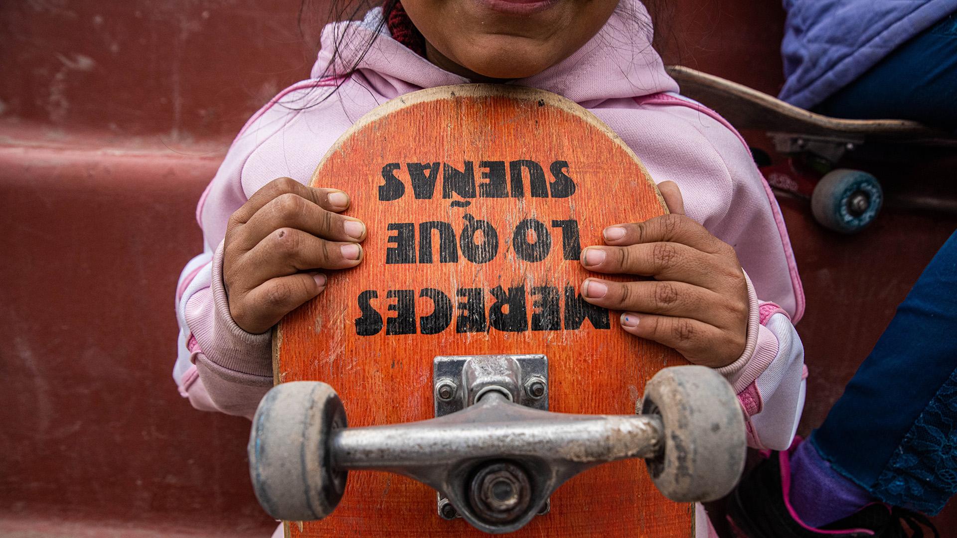 Los primeros chicos que se inscribieron empezaron a aprender a patinar en tablas que fueron donadas por los profesores