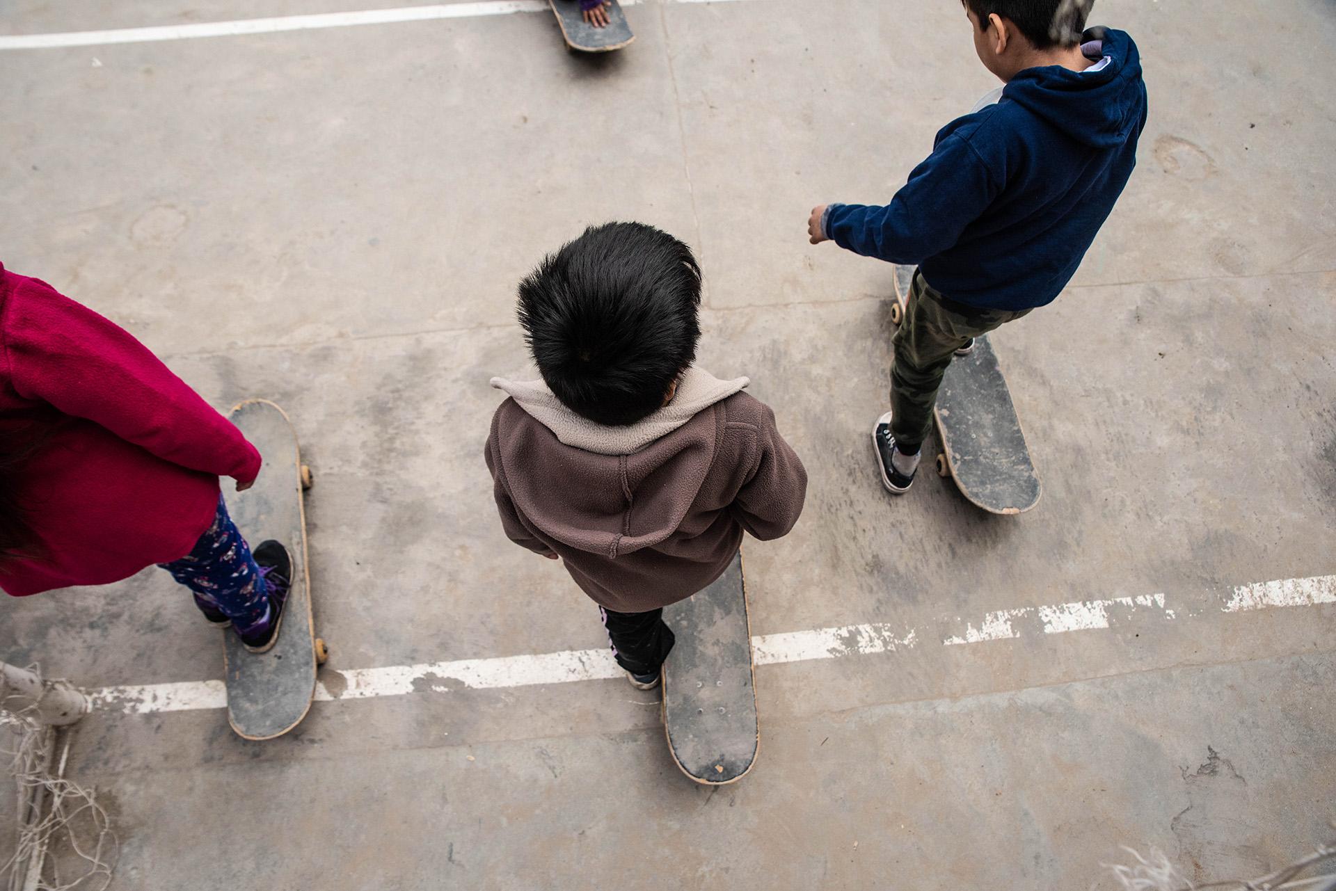 """También, buscan """"afianzar el aprendizaje escolar y promover el desarrollo artístico de los niños, niñas y adolescentes que participan a través del skate"""", además de """"contribuir a una mejor calidad de vida de los vecinos del barrio"""""""