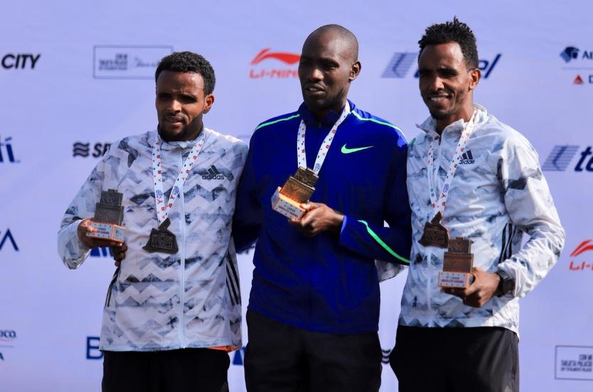 Duncan Maiyo, Girmay Birhanu Gebru y Amanuel Mesel Tikue: ganadores del Maratón 2019 de la CDMX (Foto: @MaratonCDMX)