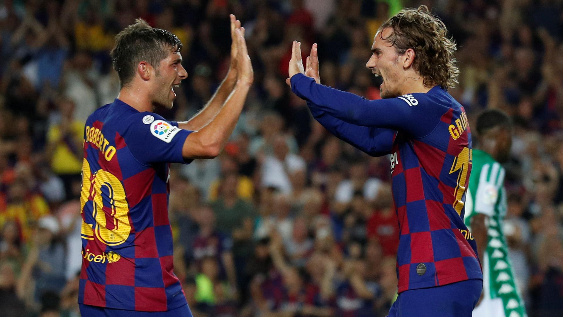 Sevilla y Atlético comanda la clasificación tras una jornada en la que el Madrid tropezó en casa y el Barça volvió a la senda del triunfo tras arrollar al Betis con un gran Griezmann