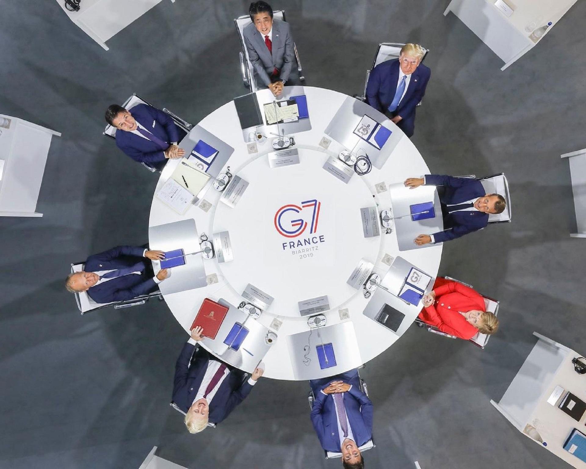 Imagen cenital de los 7 líderes del bloque
