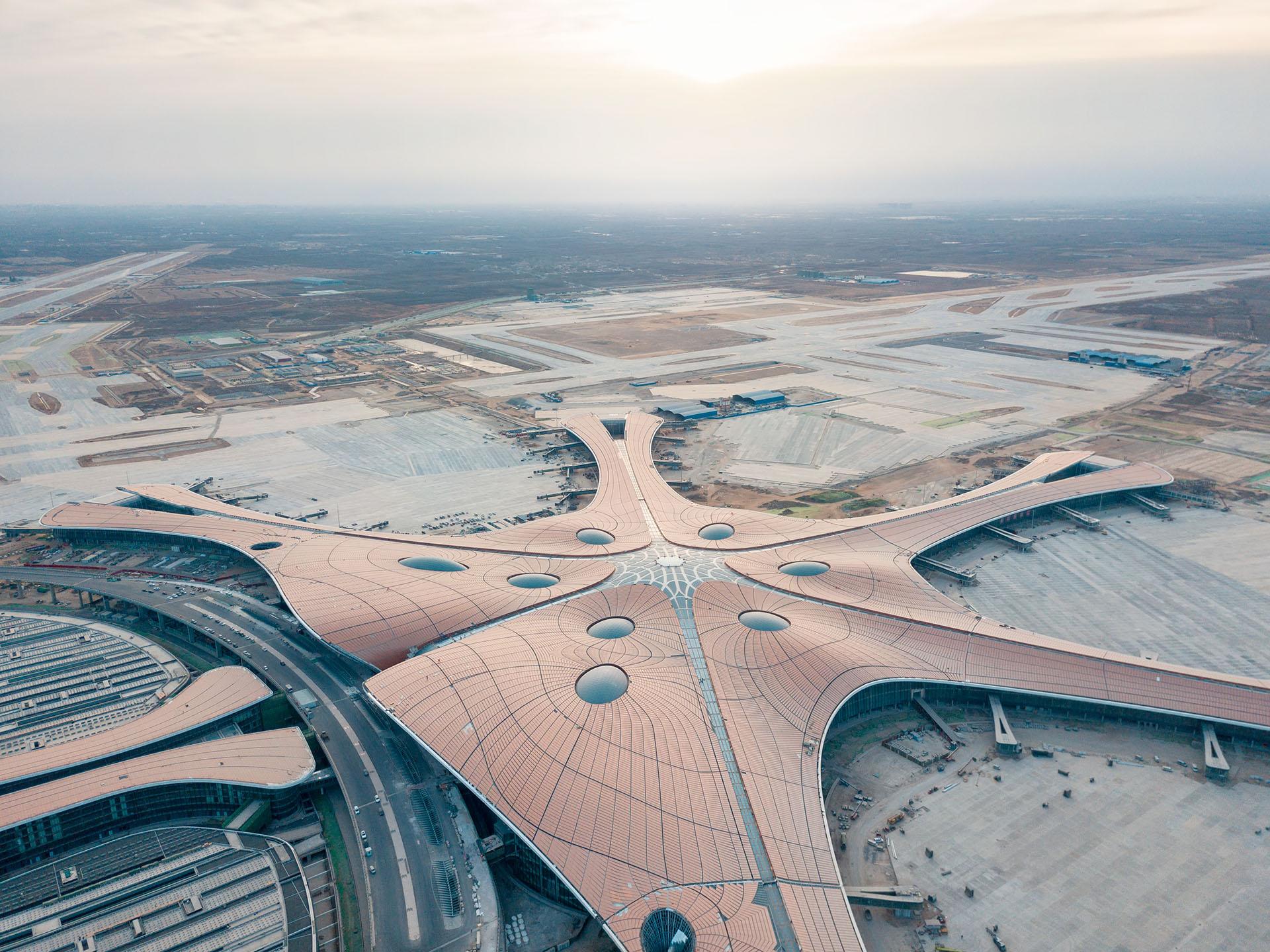 """Se espera que el Aeropuerto Internacional de Beijing Daxing de China se abra en septiembre de 2019. Algunos lo llaman """"The Starfish"""" debido a su forma distintiva"""