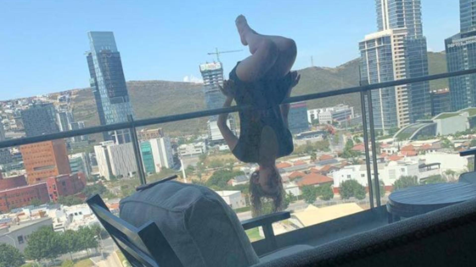 Joven Cayó 25 Metros Mientras Realizaba Yoga En Un Balcón Y