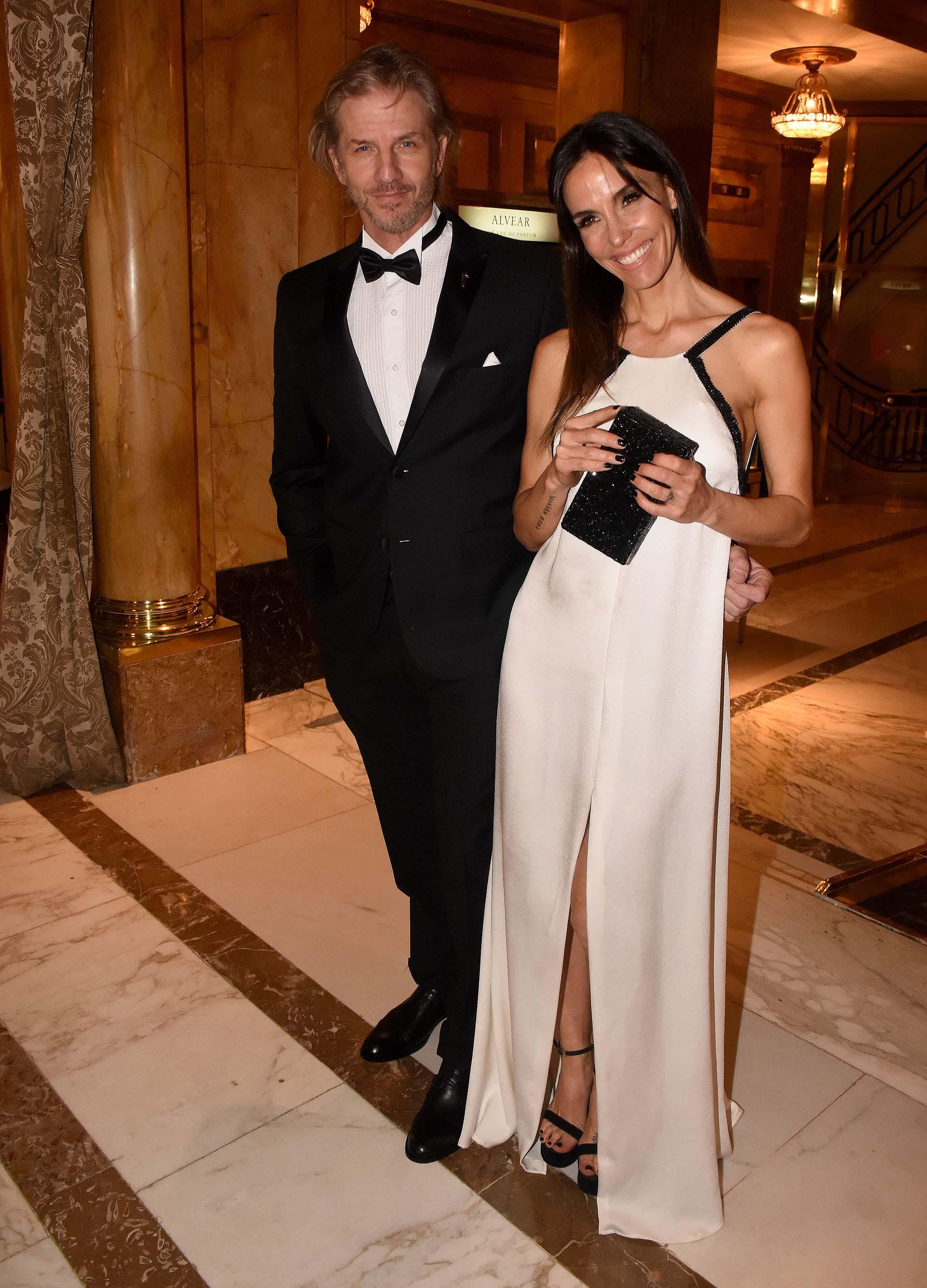 Facundo Arana, embajador de Fundaleu, acompañado por su mujer, María Susini
