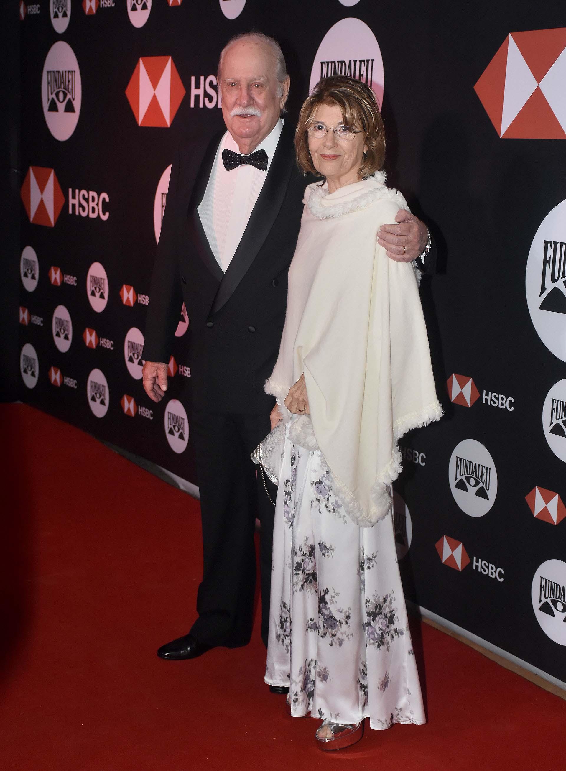 El presidente de Fundaleu, Víctor Savanti, junto a su mujer