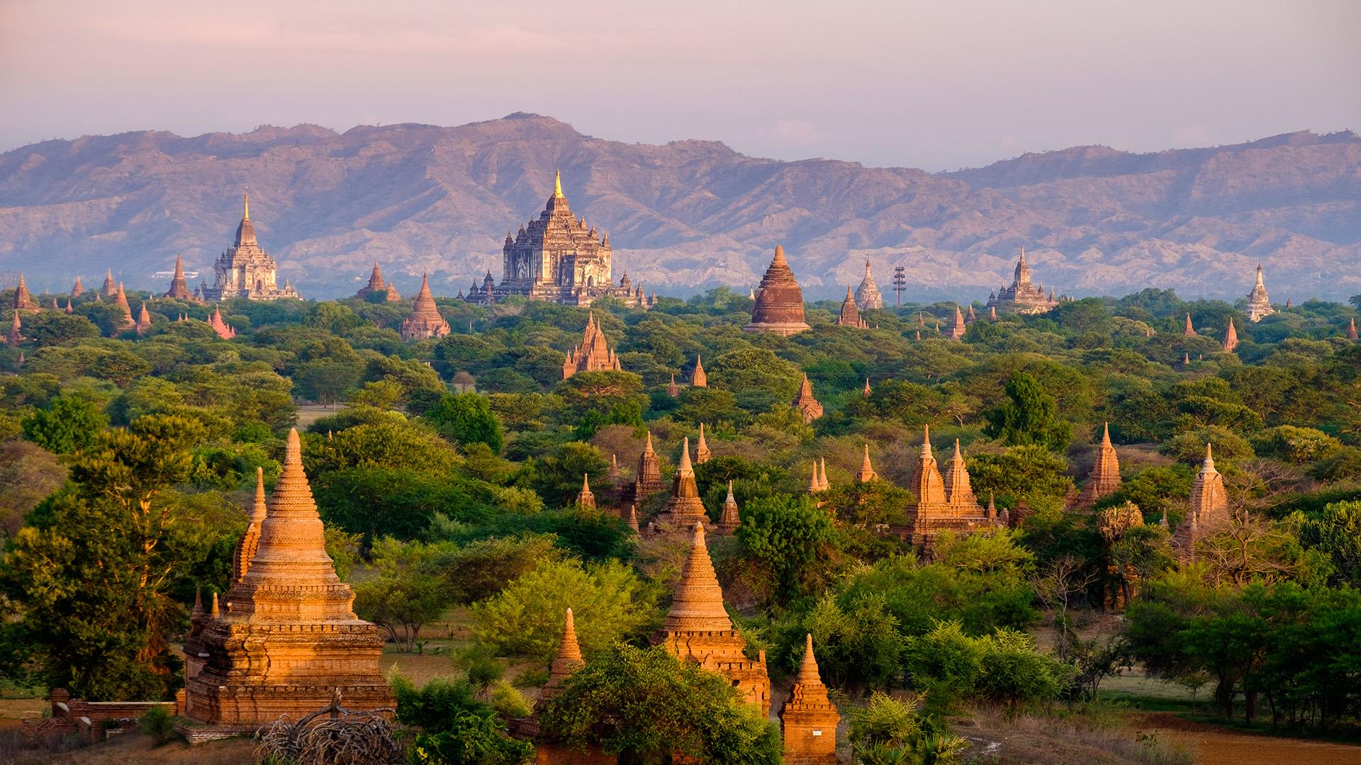 Myanmar histórico ofrece mucho para unas vacaciones de lujo: viajes en barco a lo largo del Irrawaddy entre Yangon y Bagan, así como refugios de élite en la playa de Ngapali