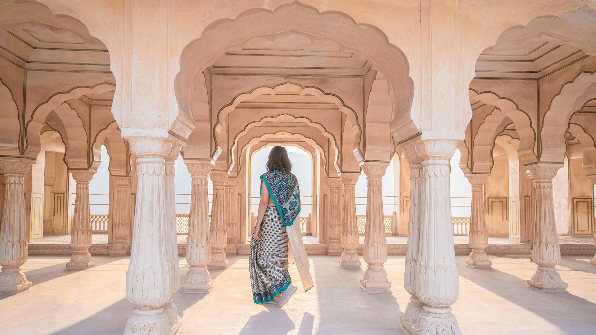 Del 15 de enero al 4 de marzo, la antigua ciudad de Haridwar, en el norte de la India, acogió a Ardh Kumbh Mela, el festival espiritual más grande del mundo, reconocido por la UNESCO, donde los devotos hindúes vienen a lavar sus pecados en el agua bendita del río. Con los festivales de Kumbh Mela en rotación entre cuatro ciudades en el transcurso de 12 años, 2019 comenzó con fuerza para viajes de lujo a la India