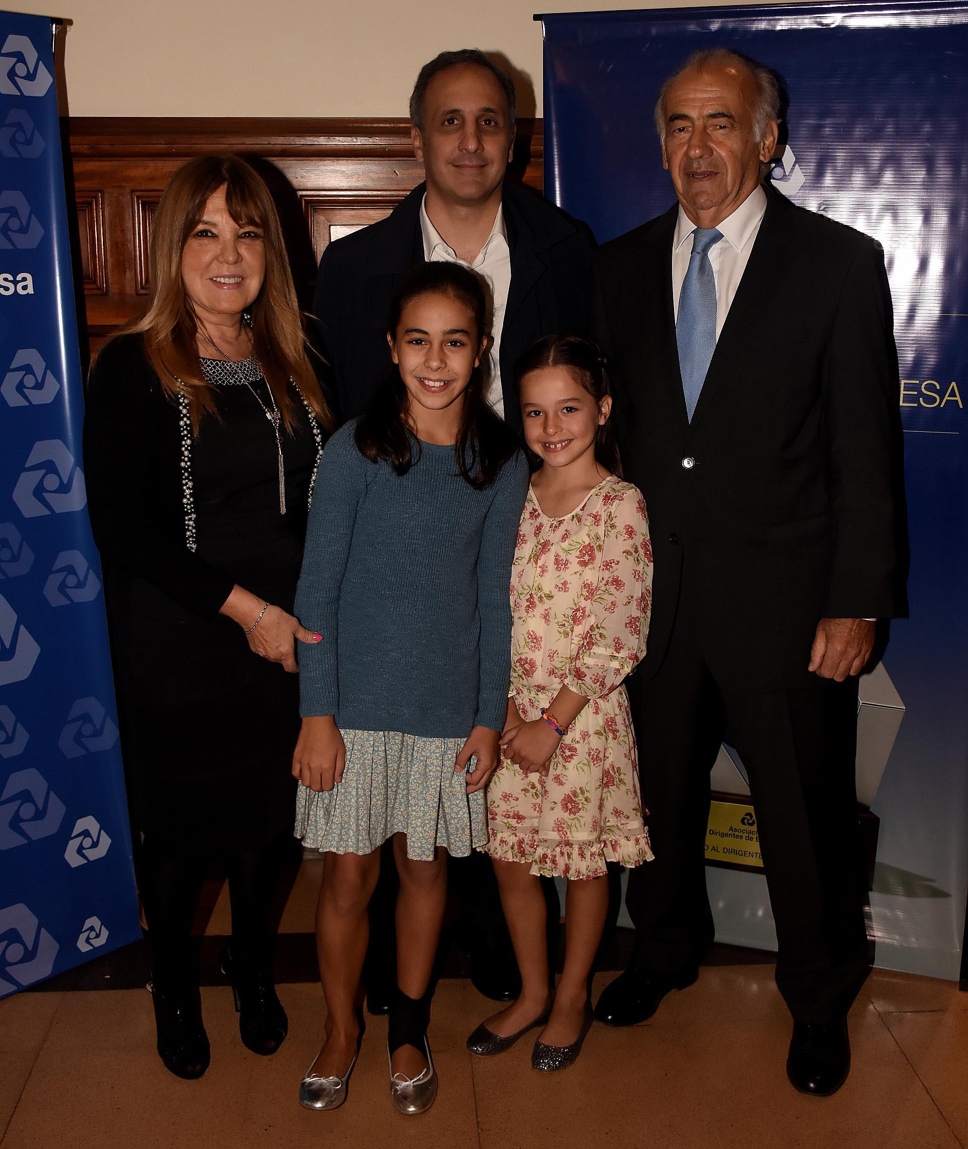 El empresario Marcos Bulgheroni estuvo acompañado por sus dos hijas