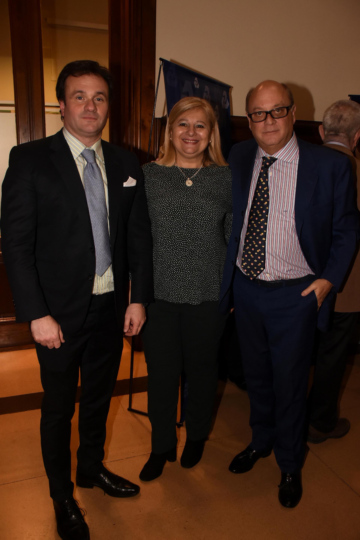 Juan Pablo Maglier, director de relaciones institucionales La Rural; Elizabeth Ana O'Donnell y Martín Cabrales, empresario
