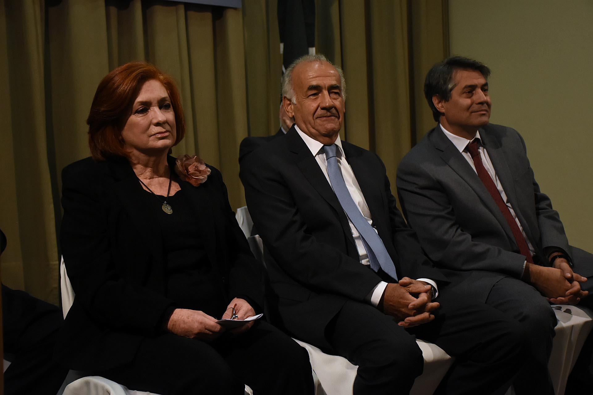 Parte del jurado de ADE. De izquierda a derecha: Teresa González Fernández, Antonio Assefh y Gastón O`Donnell