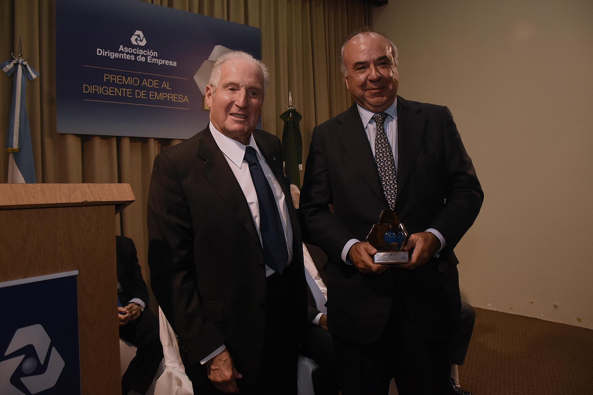"""Santiago Nicholson, presidente de Banco de Alimentos, recibió el premio en la categoría """"Empresa y Comunidad"""""""