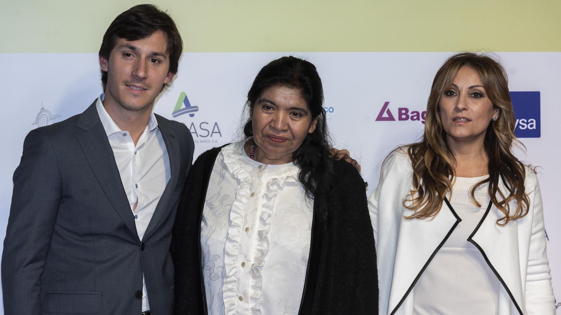 La periodista Marcela Tauro entre las invitadas a la gala