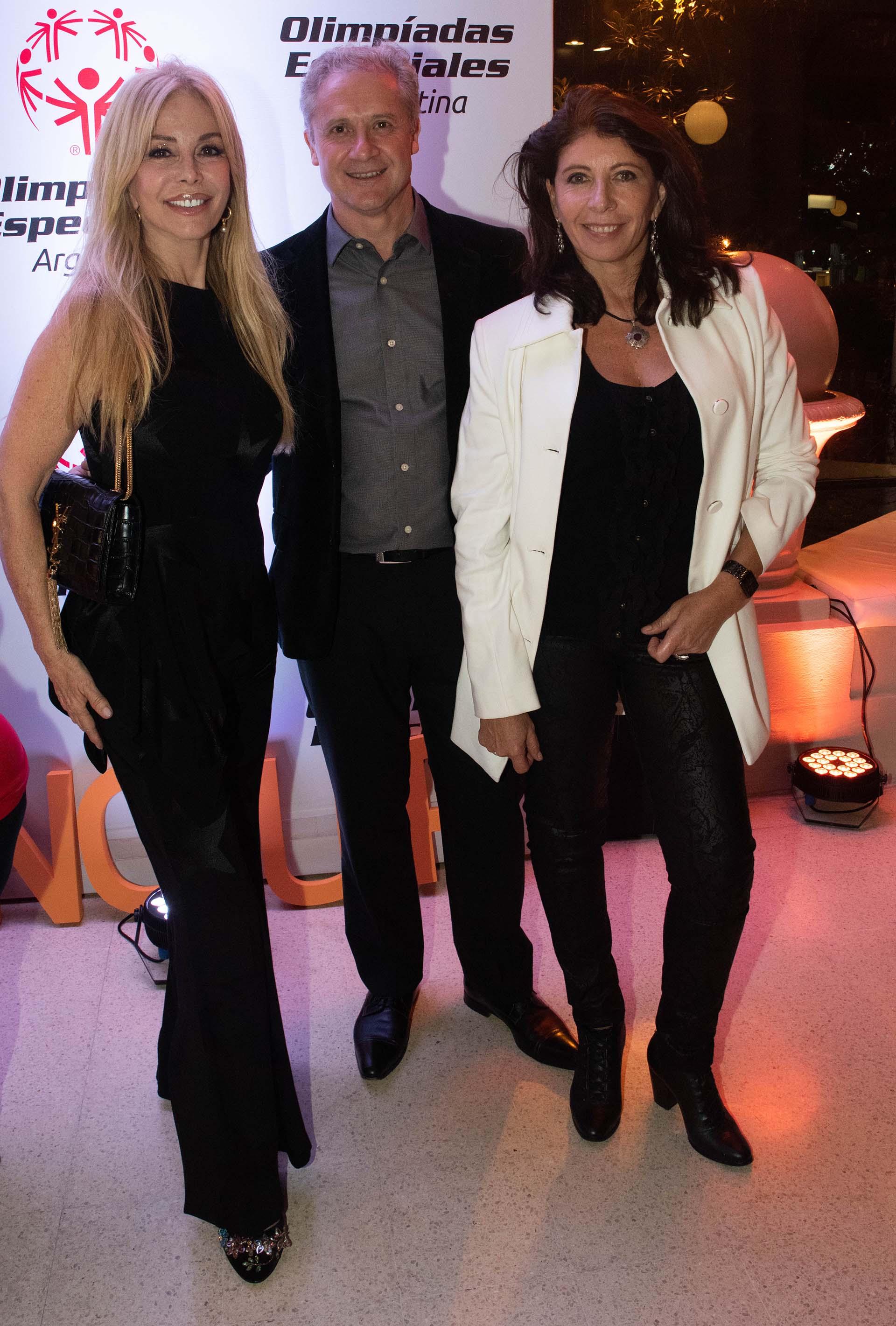 Graciela Alfano con Jorge Srur de Banco de Desarrollo de América Latina y Marisol Nicoletti de Punta del Este Internacional