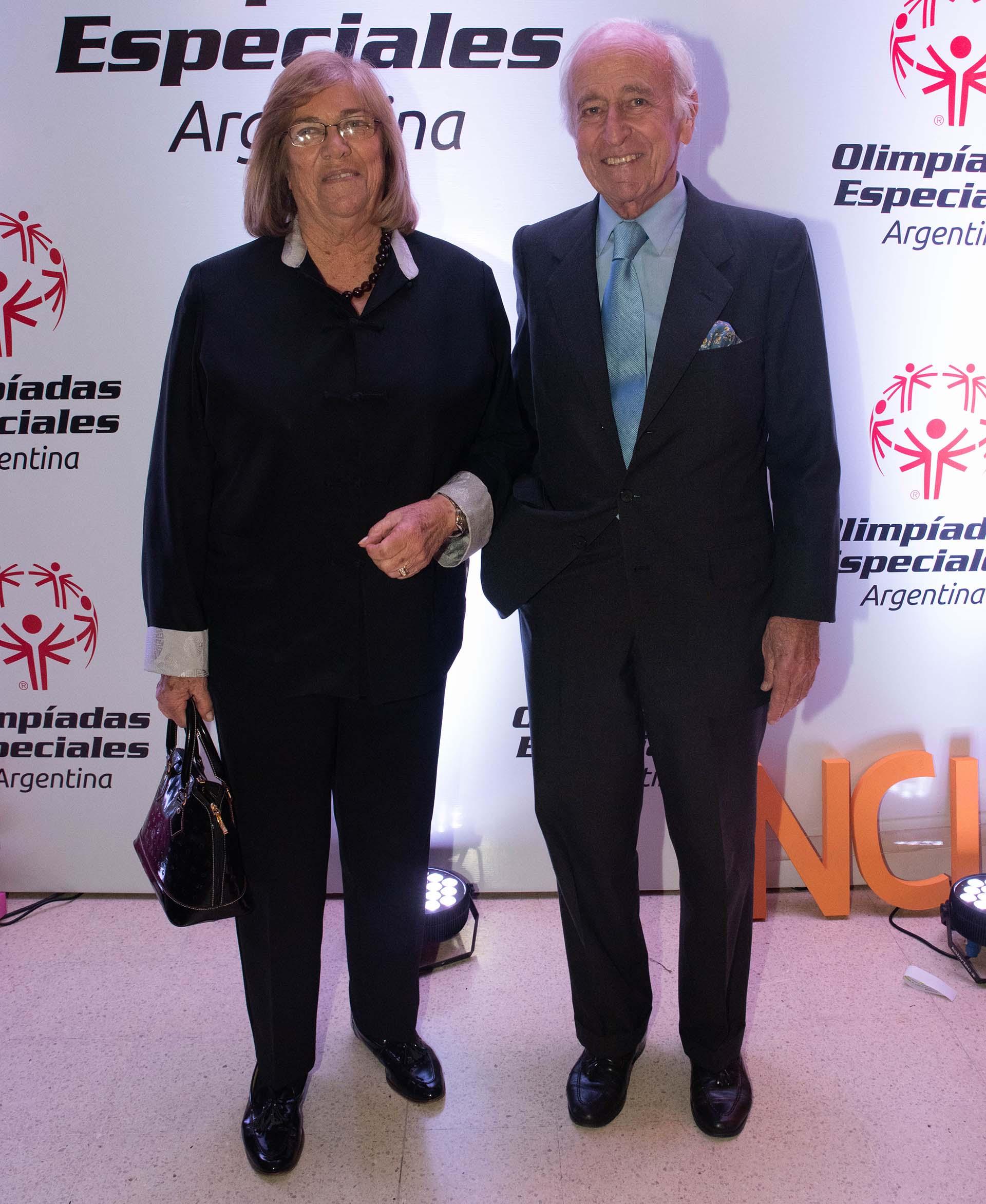 Santiago Soldati junto con la diputada Lía Rueda
