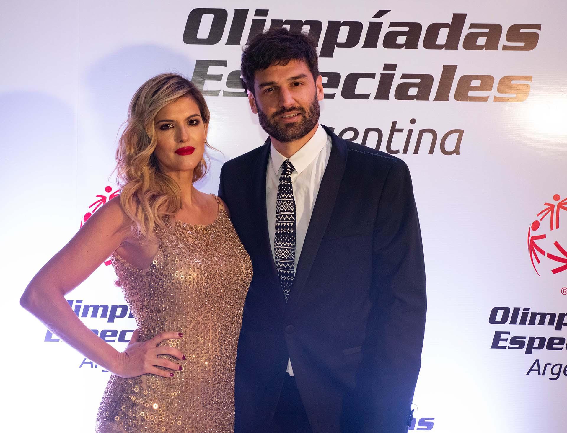 La modelo y actriz Mery del Cerro junto con su pareja Meme Bouquet