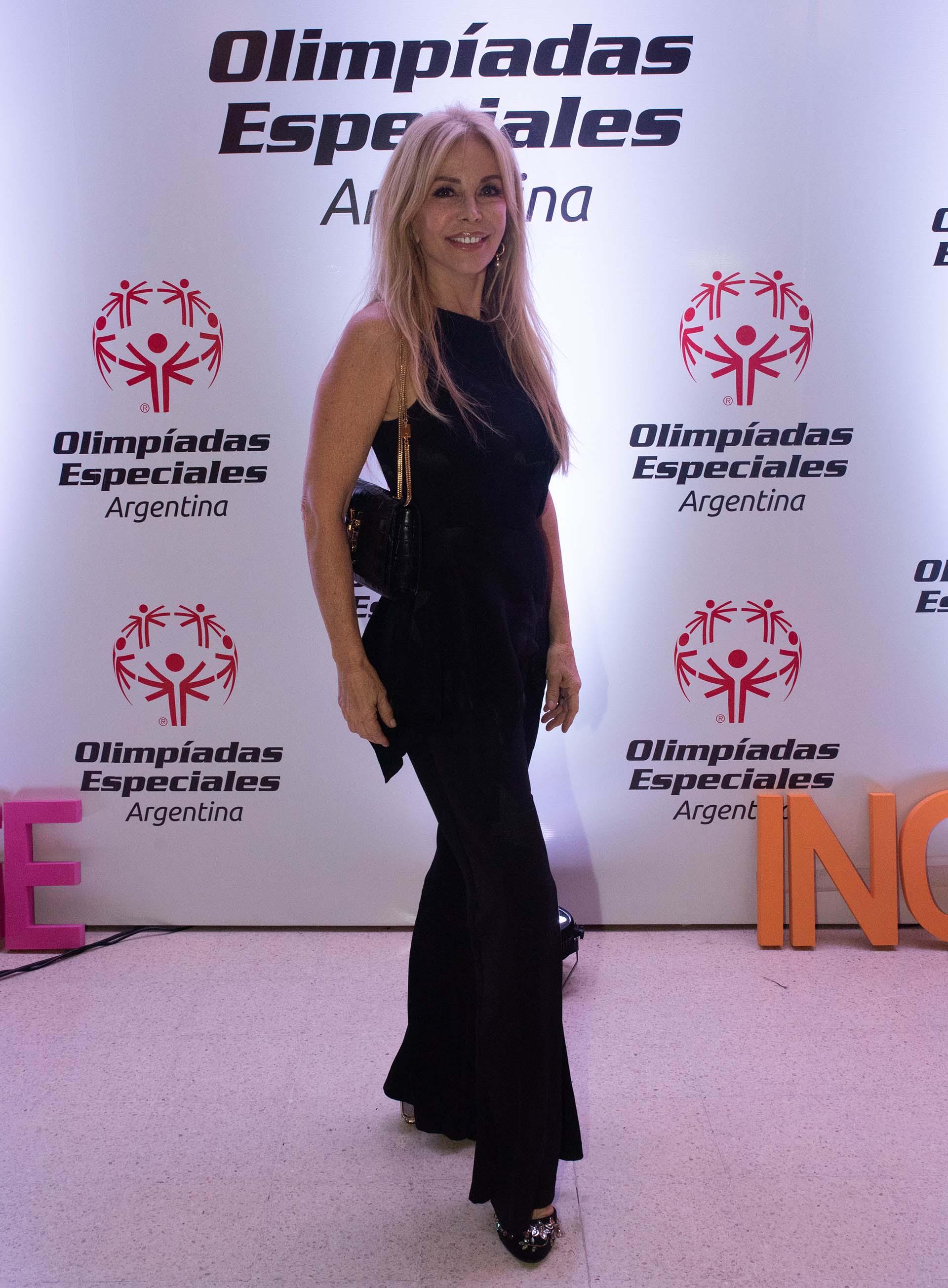 La actriz y modelo Graciela Alfano estuvo presente en una noche solidaria que busca potenciar a deportistas con o sin discapacidad