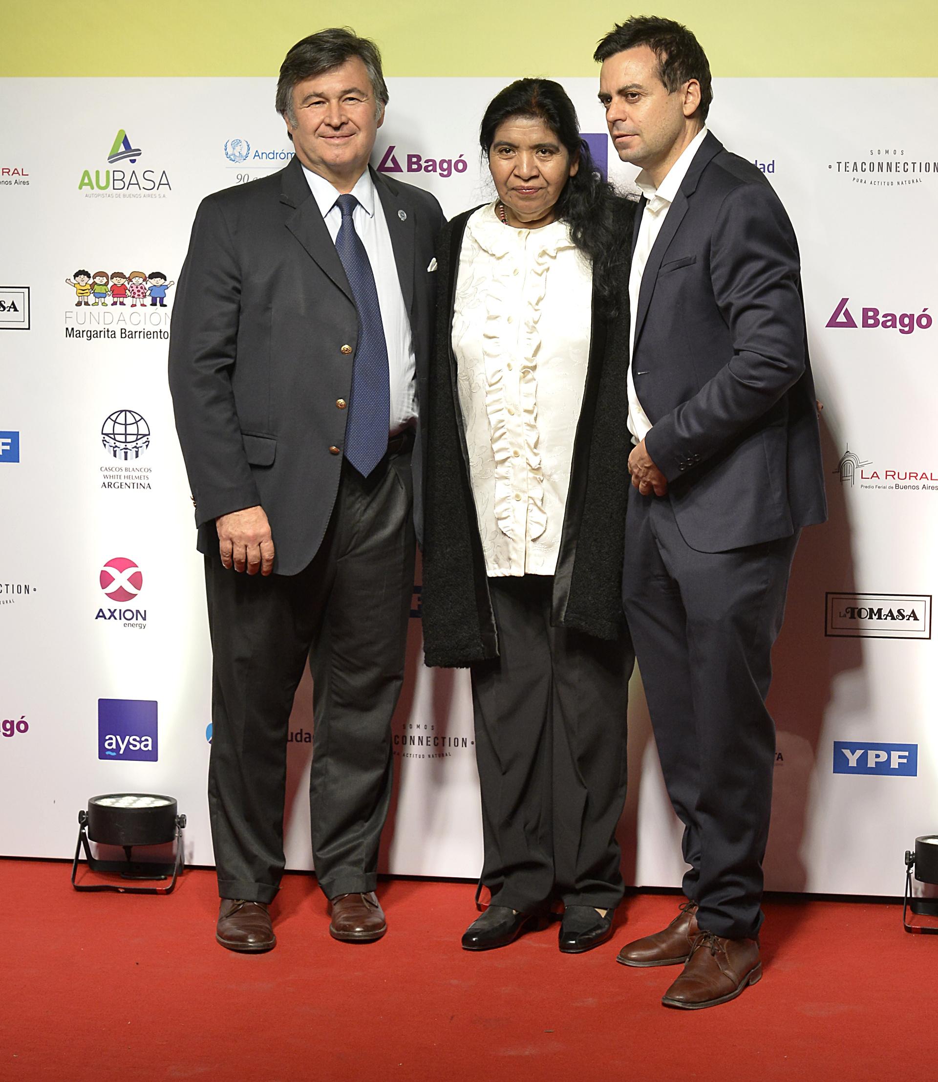 Daniel Pelegrina, Margarita Barrientos y el director general de Fundación Barrientos, Ezequiel Eguia Segui