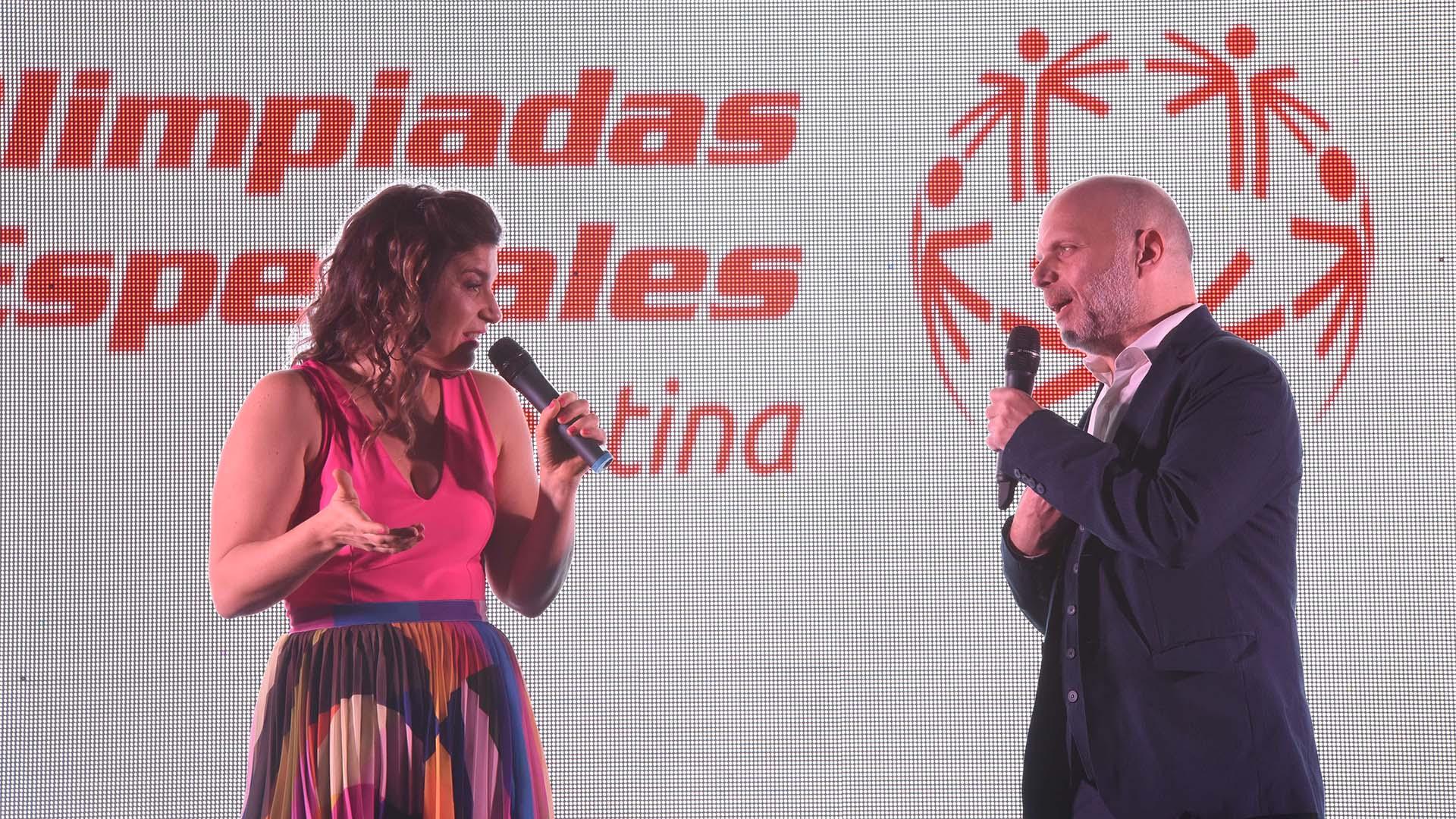 El evento concluyó con un stand up a cargo de Sebastián Wainraich y Dalia Gutmann