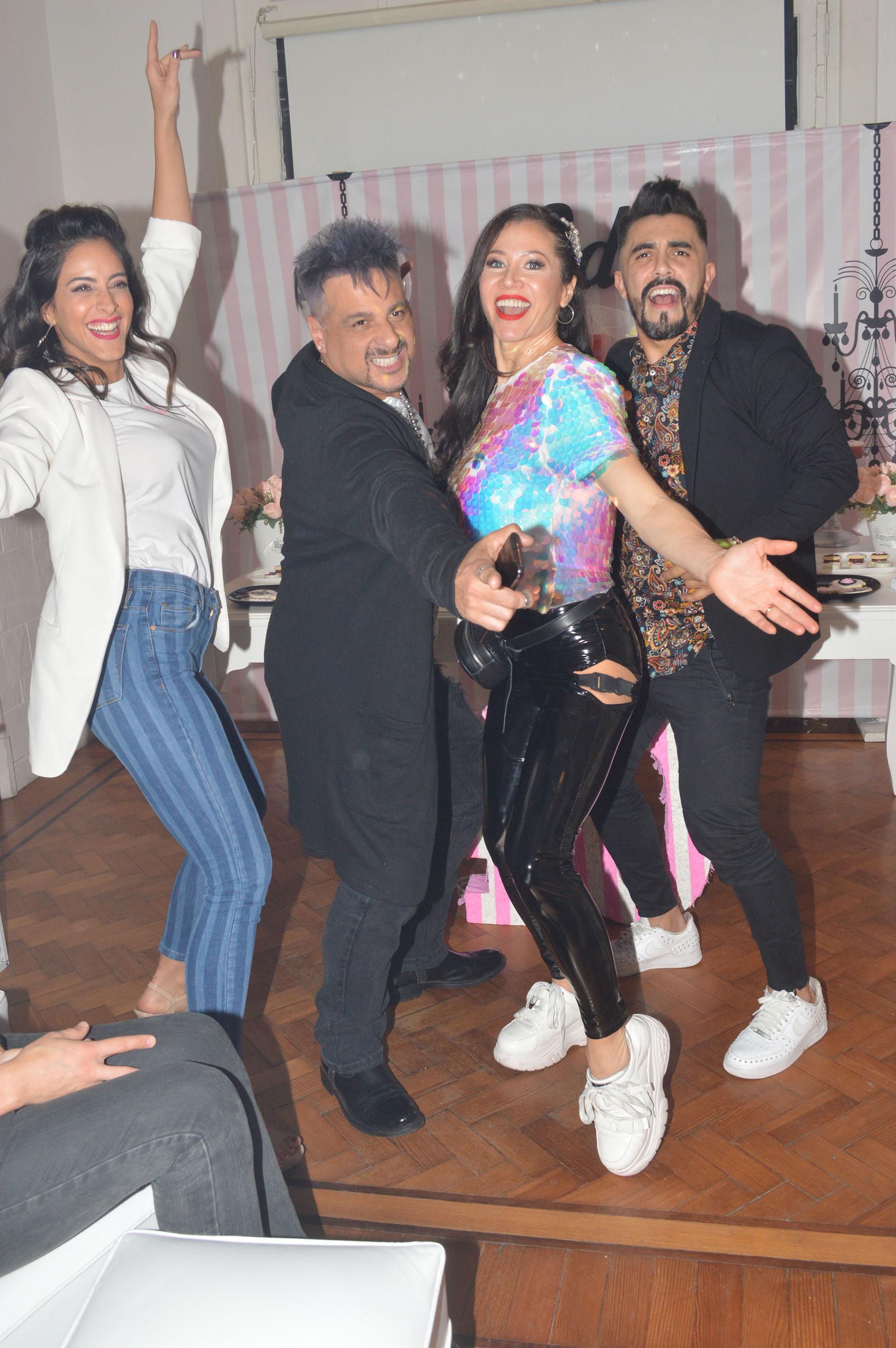 La actriz, a puro baile y diversión junto a Iripino, Celeste Muriega y Fernando Bertona