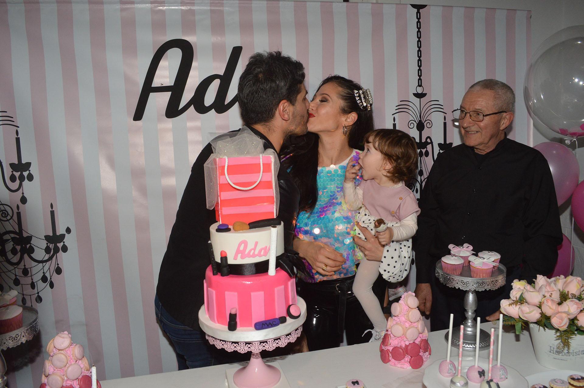 Adabel Guerrero celebró su cumpleaños número 40 junto a su pareja, Martín Lamela, y su hija Lola (Fotos: Jorge Amado Group)
