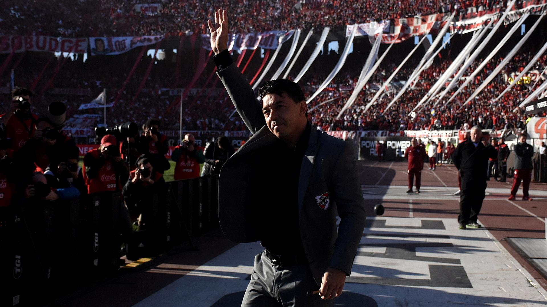 El Muñeco fue ovacionado por todo el estadio apenas pisó la césped