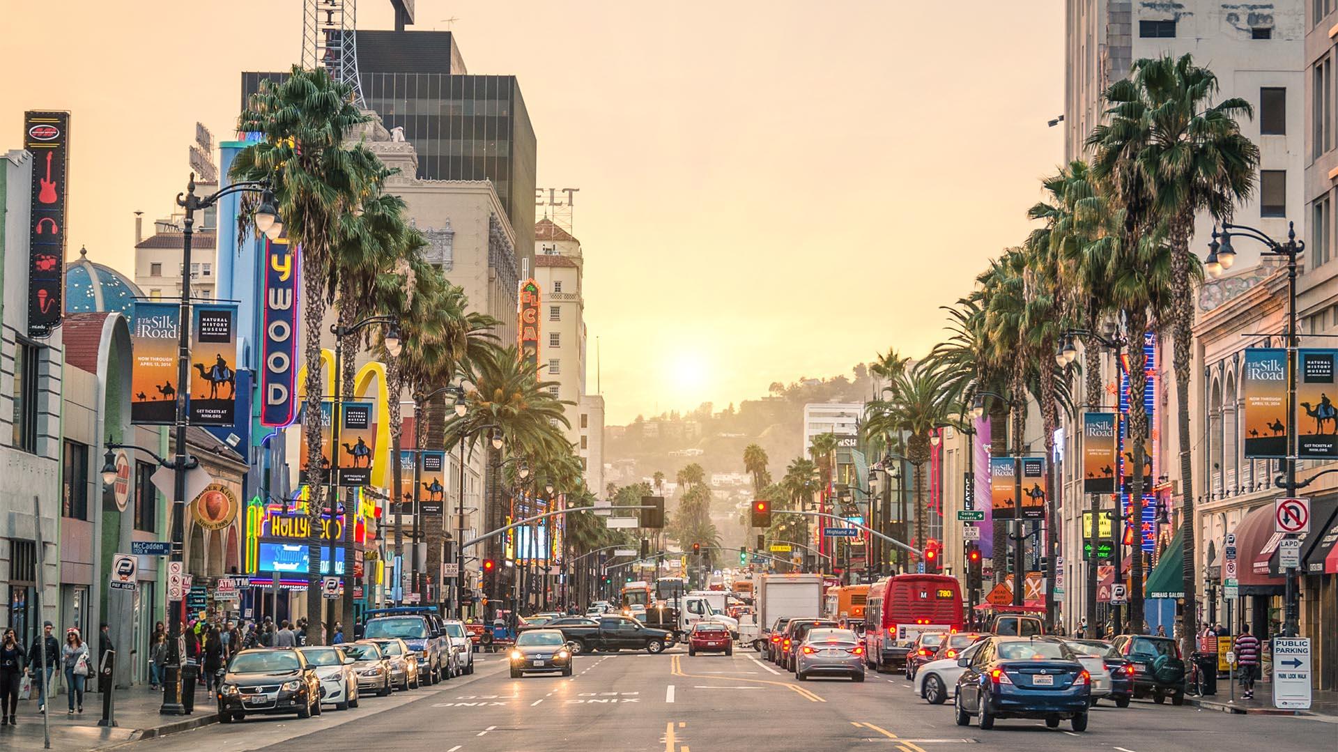 Con un poco de preparación y conciencia, es fácil mantenerse a salvo y disfrutar de todo lo que Los Ángeles tiene para ofrecer. Sin embargo, aunque la ciudad es segura en general, posee barrios extremadamente peligrosos