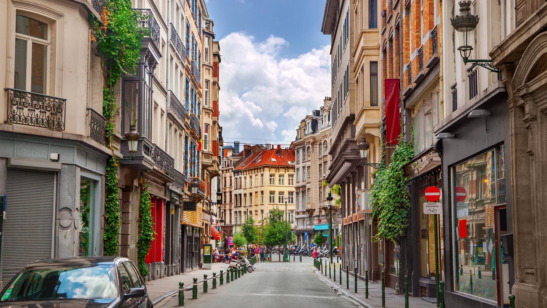 Bruselas es una ciudad segura para los turistas. El principal riesgo es el delito menor y los carteristas en el metro o en las estaciones de tren