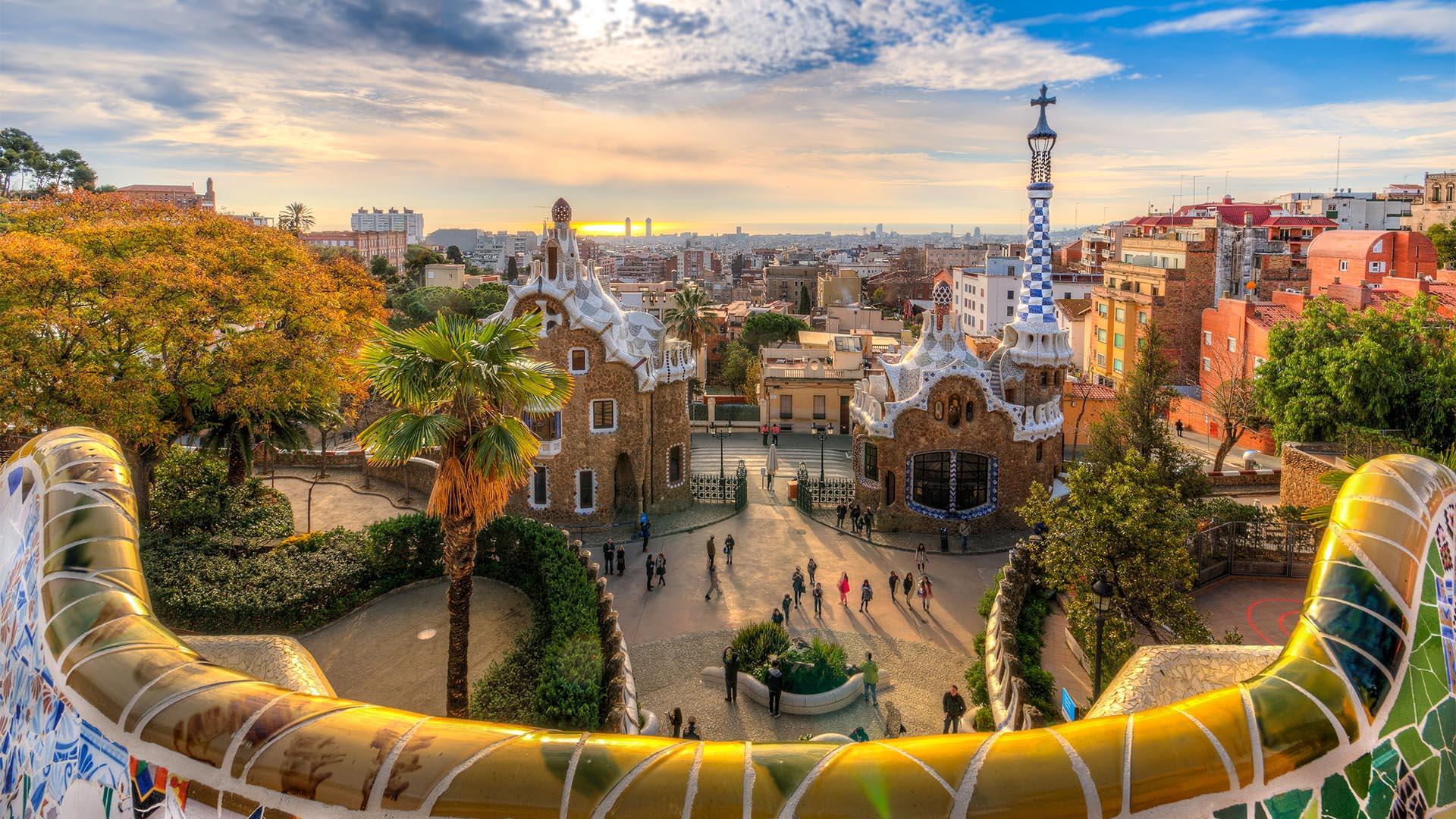España es uno de los países más seguros de Europa y Barcelona sigue siendo una de las ciudades más deseables de este continente. La mayoría de las áreas se consideran seguras durante el día y la noche