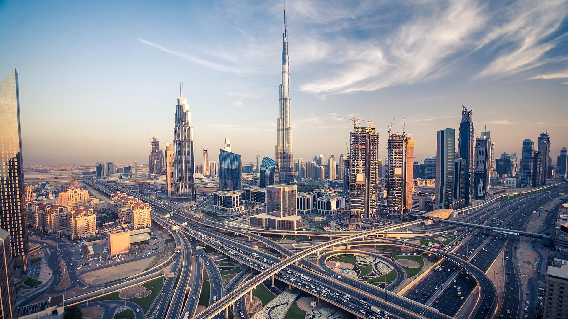 En términos generales, Dubái es seguro para visitar. El crimen de persona a persona no es una gran preocupación para los viajeros, debido aque Dubái es una ciudad muy vigilada
