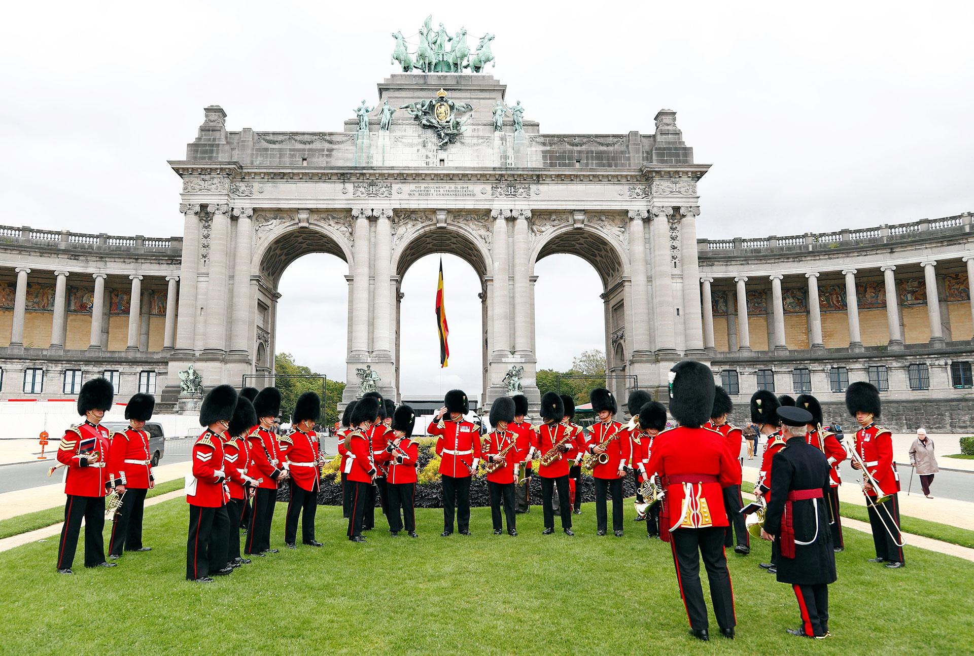 La banda de la guardia galesa se prepara para tocar (Reuters)