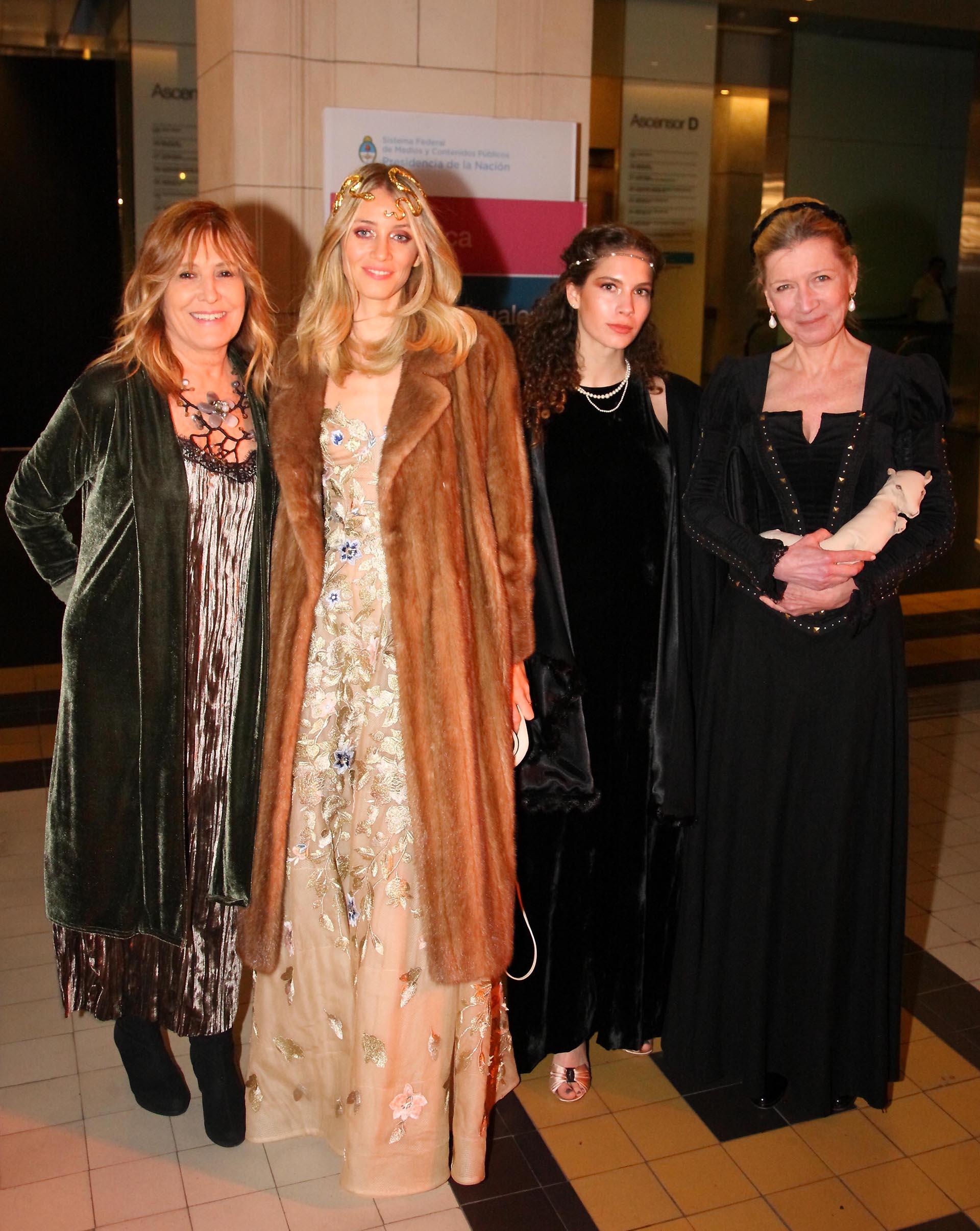 Ana Bustamante, Sophia Blaquier, Sofía Speroni y Fiona White