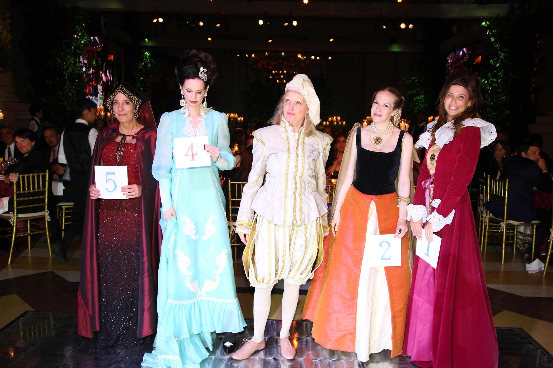 Verónica Zoani de Nutting, Marina de Achaval, Cecilia Duhau, Pilar Casares y Solange Mayo
