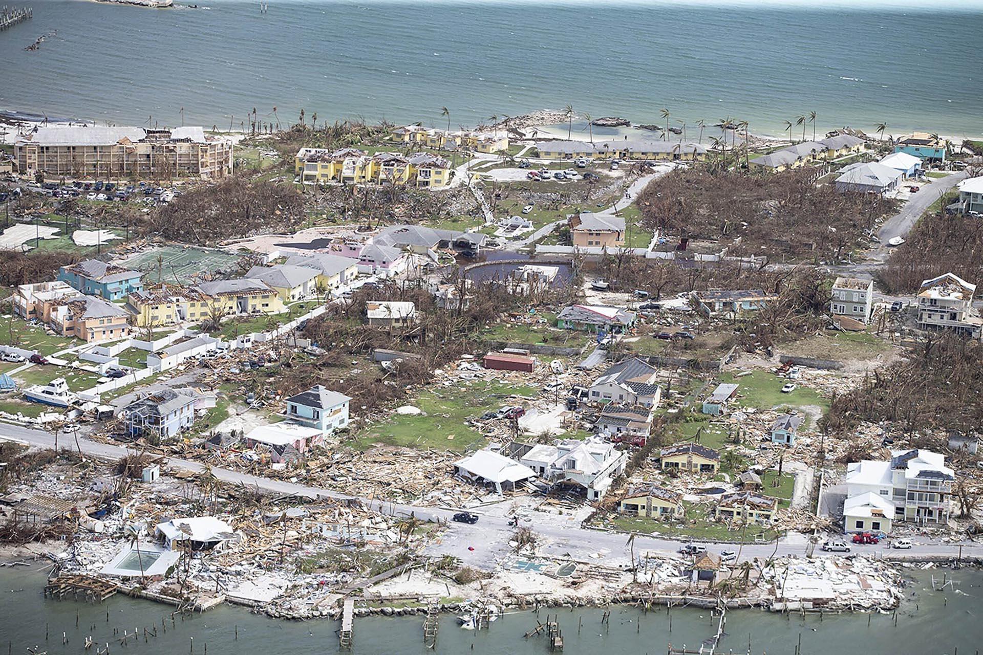 Destrucción del huracán Dorian en Marsh Harbour, Bahamas, el miércoles 4 de septiembre de 2019
