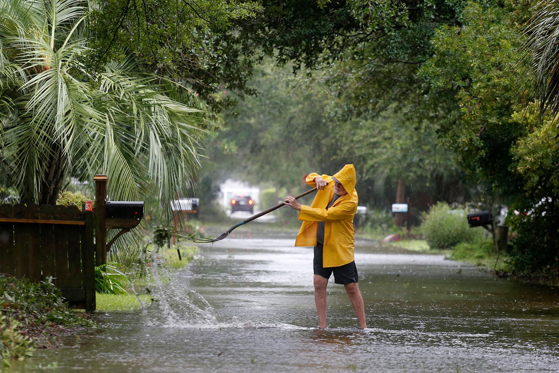 El huracán se desplazaba a 22 km/h en el momento de tocar tierra (AP)