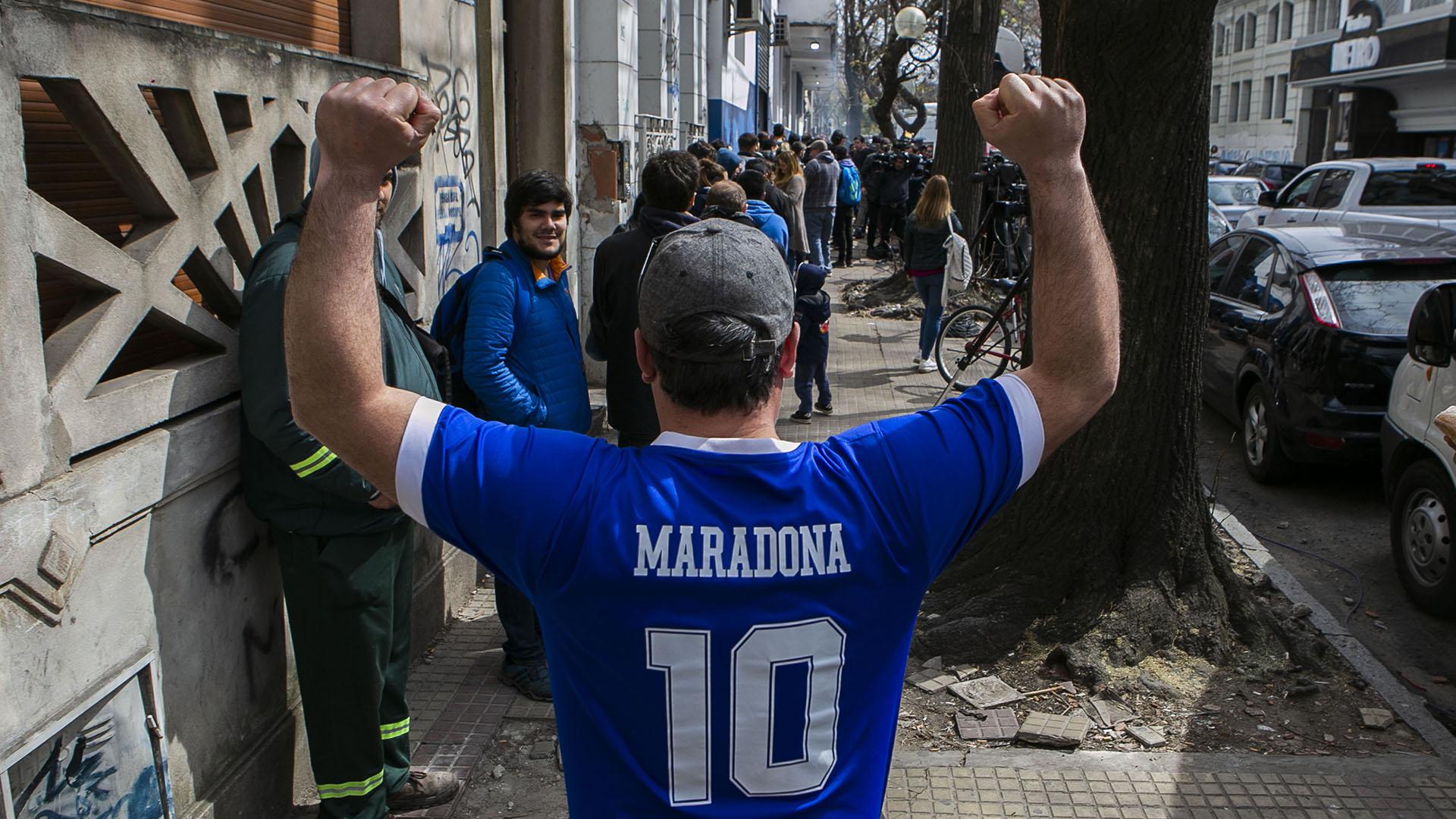 La llegada de Diego renovó la ilusión entre los hinchas de un club que yace último en la tabla de descenso
