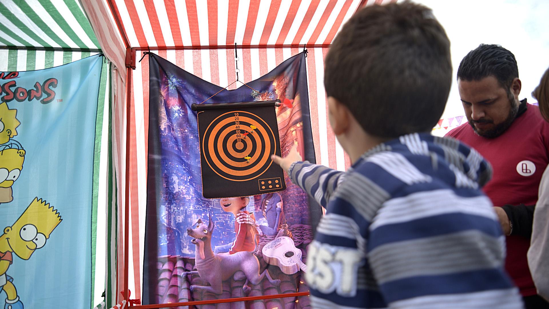 Los chicos pudieron jugar y divertirse con varias actividades recreativas que organizaron desde la revista y el municipio de Lanús