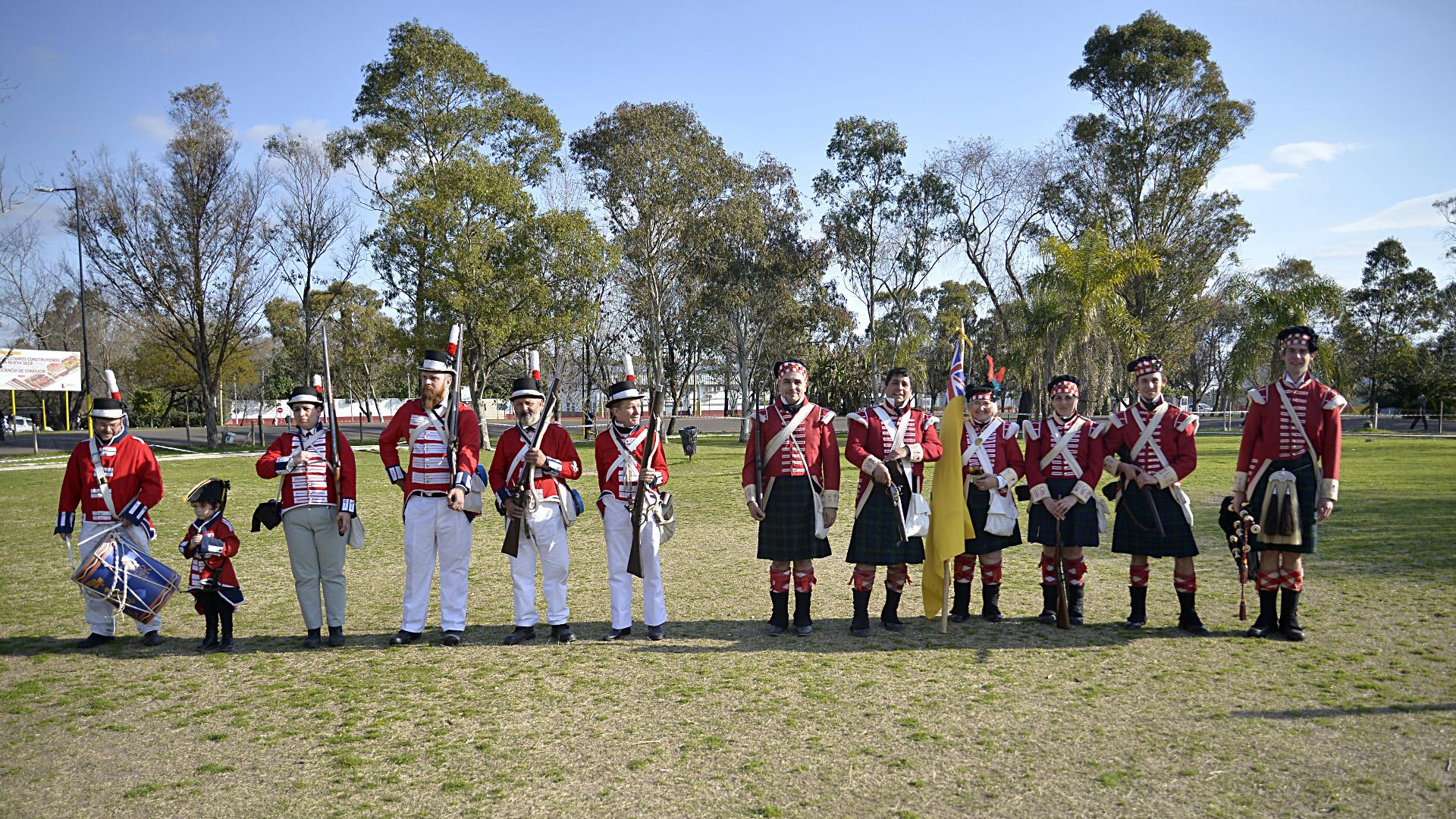 Uno de los shows más esperados fue la fue recrear las invasiones inglesas en Buenos Aires y se dio cita a las 16:00 hs con la batalla de 1806 y Reconquista