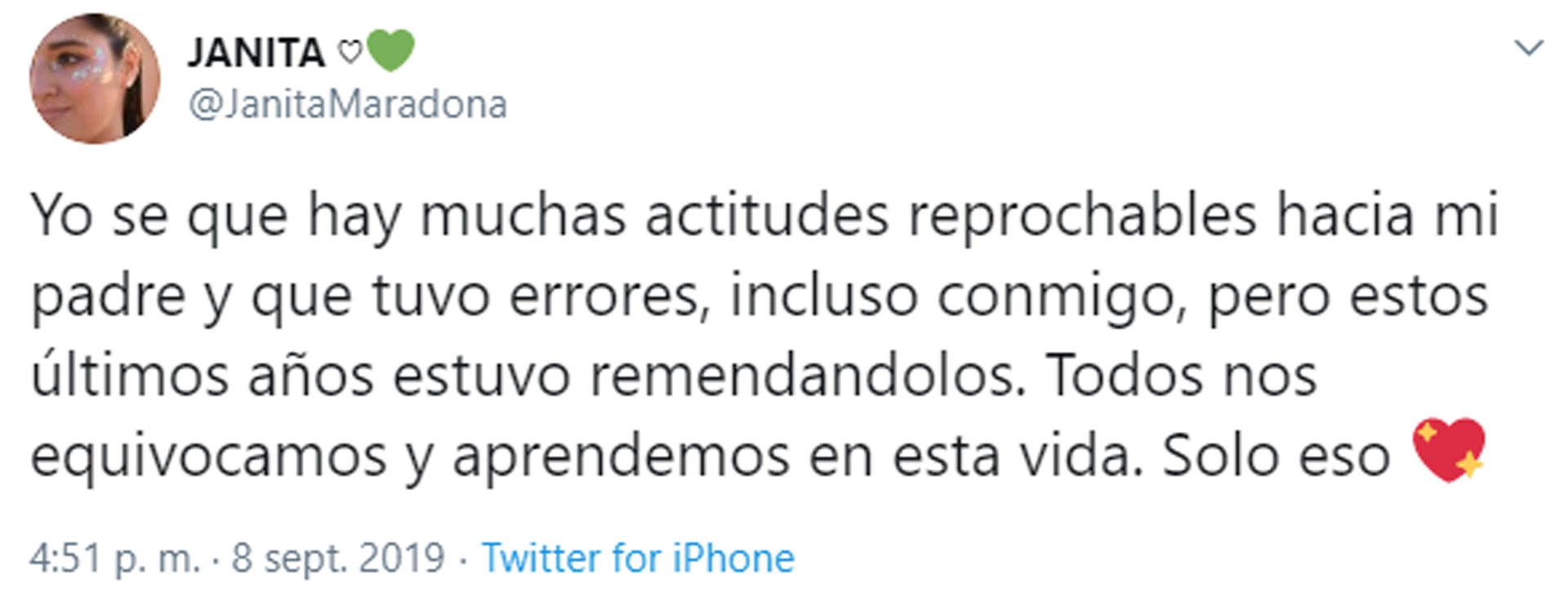 Jana Maradona defendió a su papá (Captura de Twitter)