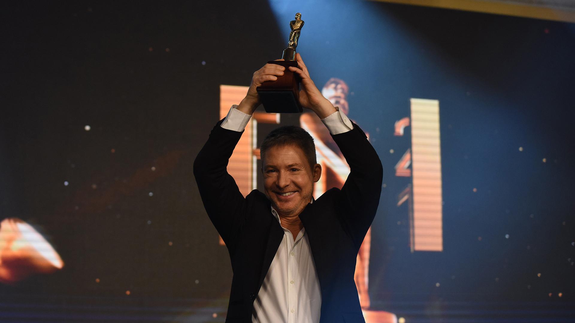 """""""El Host"""" también se llevó el premio a mejor programa de juegos / entretenimiento / reality / humor"""