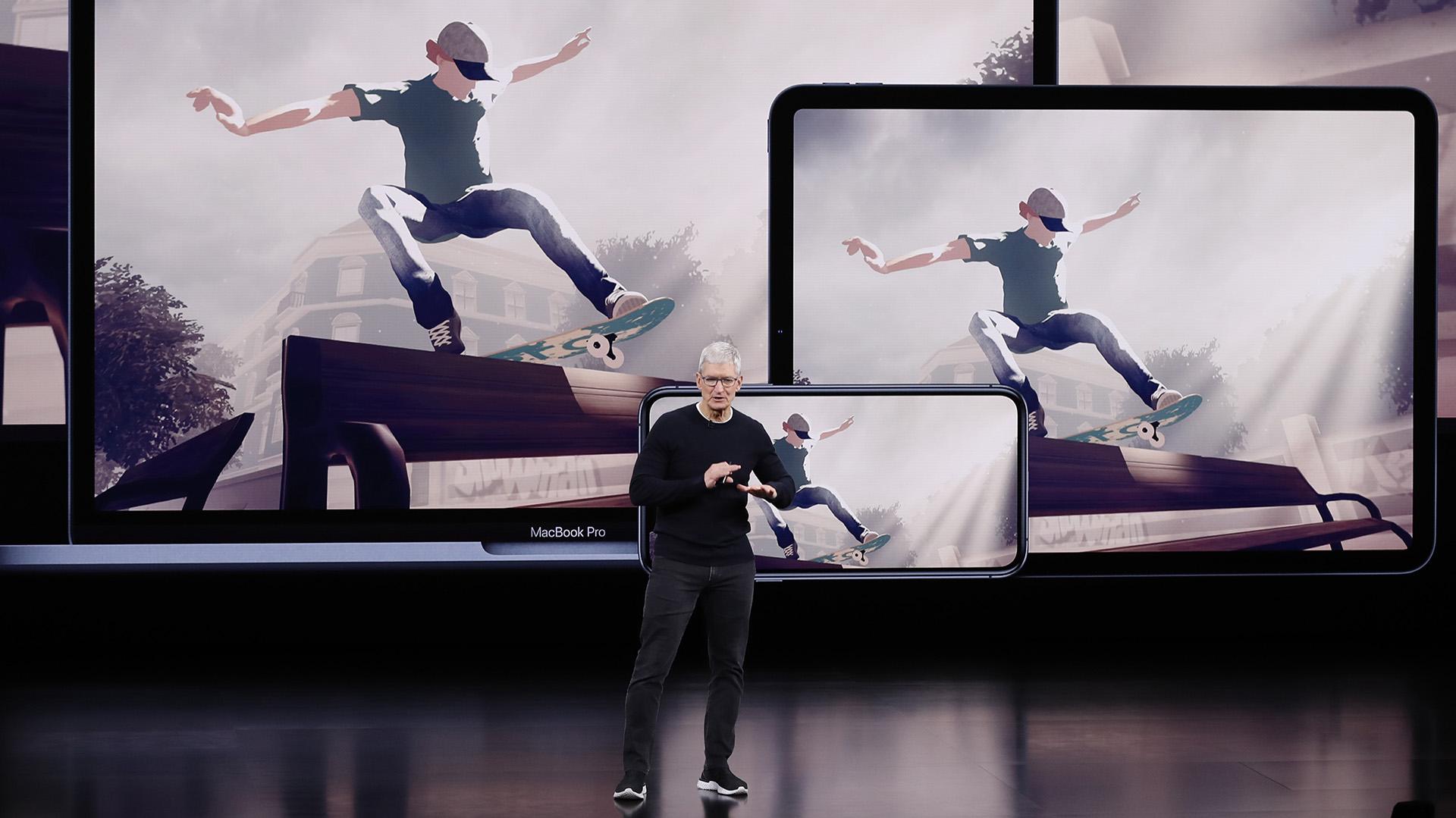 Por largo tiempo Apple destacó su ventaja competitiva sobre rivales como Samsung Electronics Co Ltd, que fabrica teléfonos, o Google de Alphabet Inc, que provee el sistema operativo Android para la mayoría de los teléfonos (REUTERS/Stephen Lam)