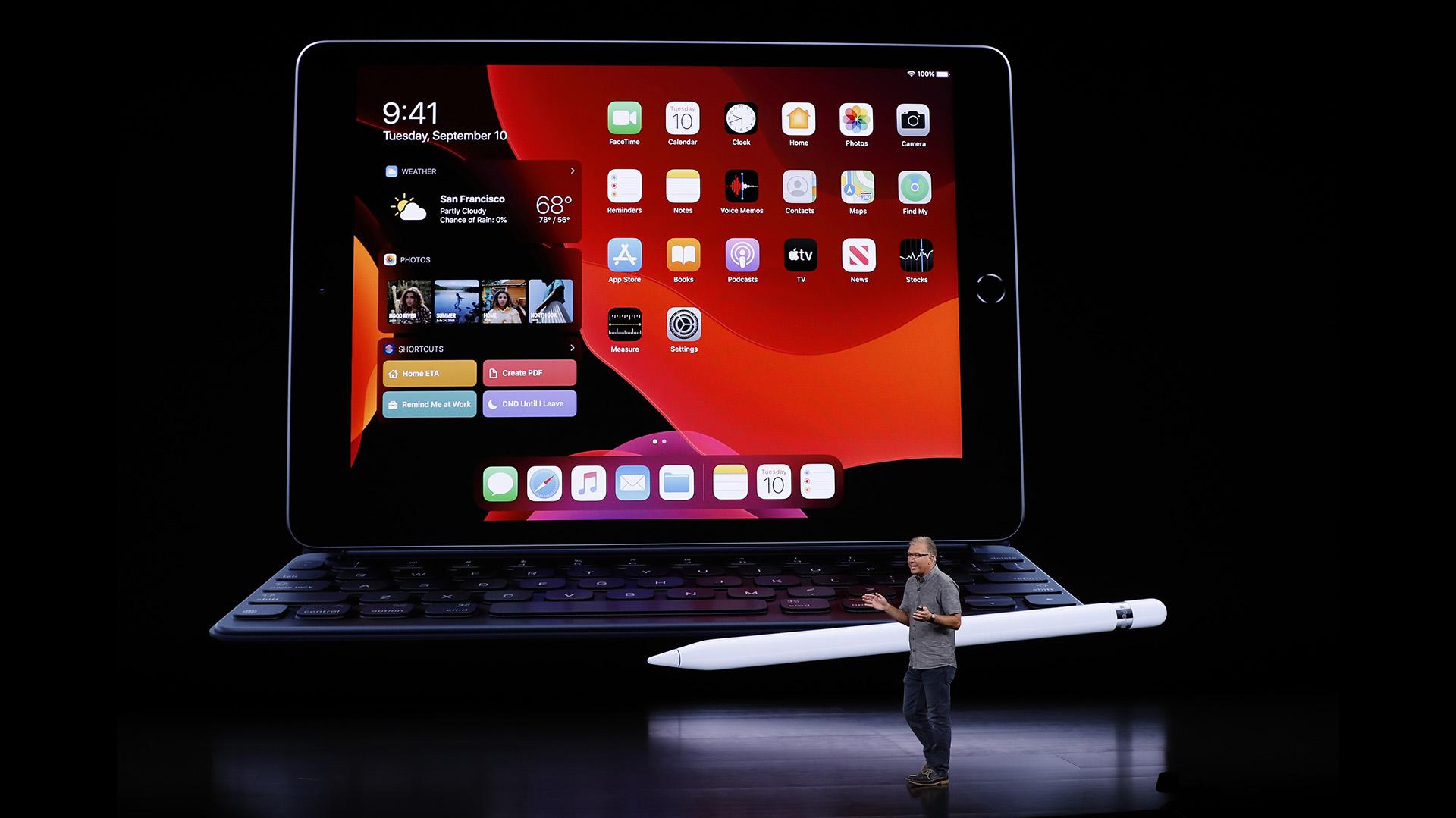 Se venderá a partir de USD 329 y a USD 299 para clientes de instituciones educativas. Se incluye un año de suscripción a Apple TV (REUTERS/Stephen Lam)