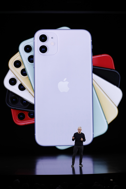 Tim Cook presentó el iPhone 11 este 10 de septiembre de 2019 en Cupertino, California (REUTERS/Stephen Lam)