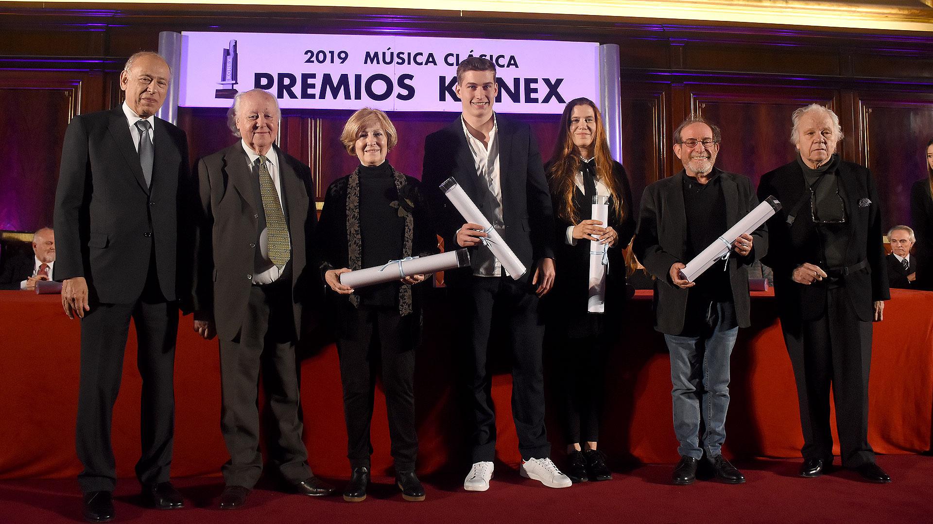 En la categoría Regisseur Anna D'Anna, Hugo de Ana, Marcelo Lombardero, Pablo Maritano y Rubén Szuchmacher