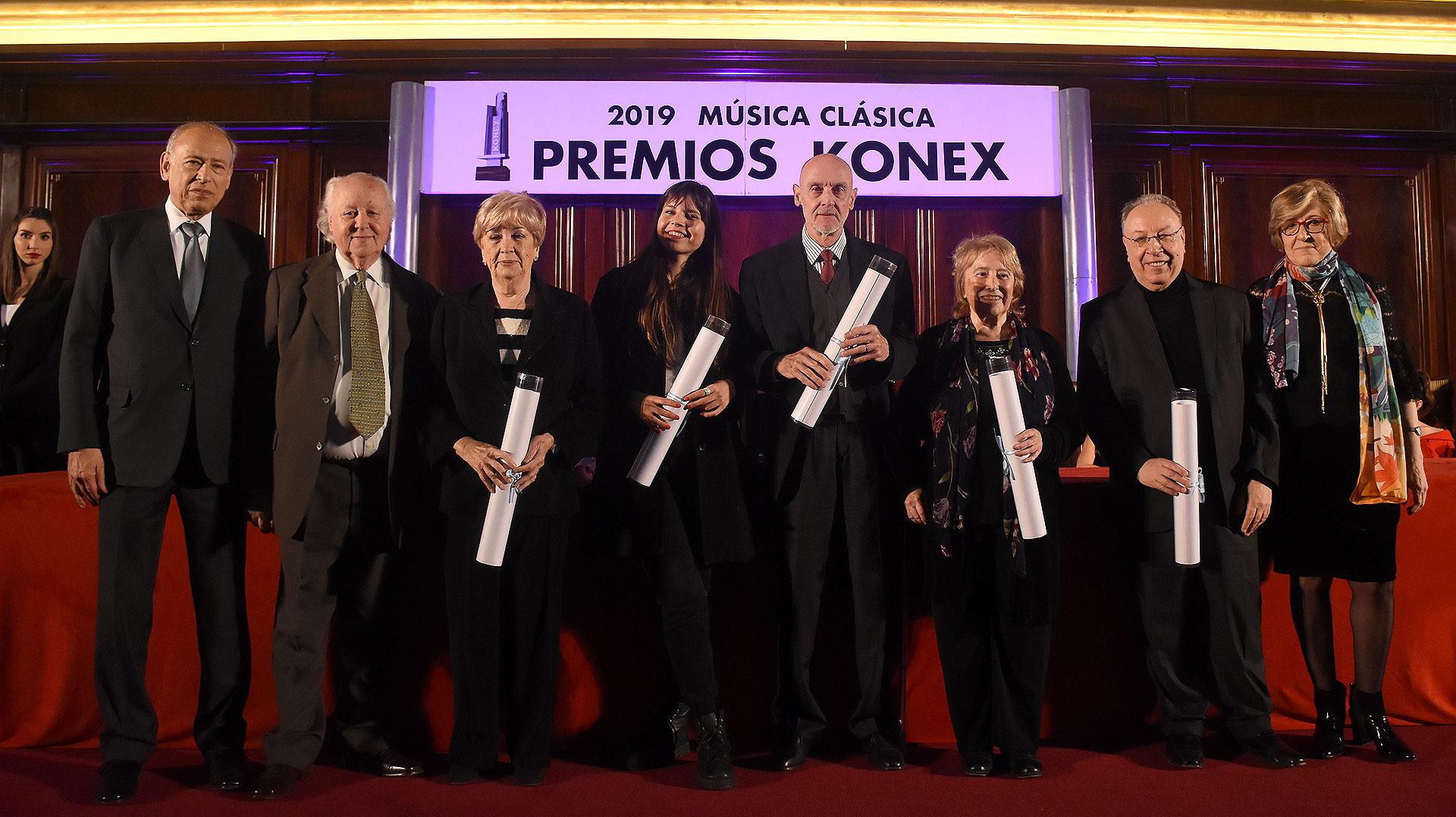 En la categoría Pedagogo, María del Carmen Aguilar, Reinaldo Censabella, Rafael Gintoli, en representación de Guillermo Ángel Opitz su nieta Lara y Graciela Reca