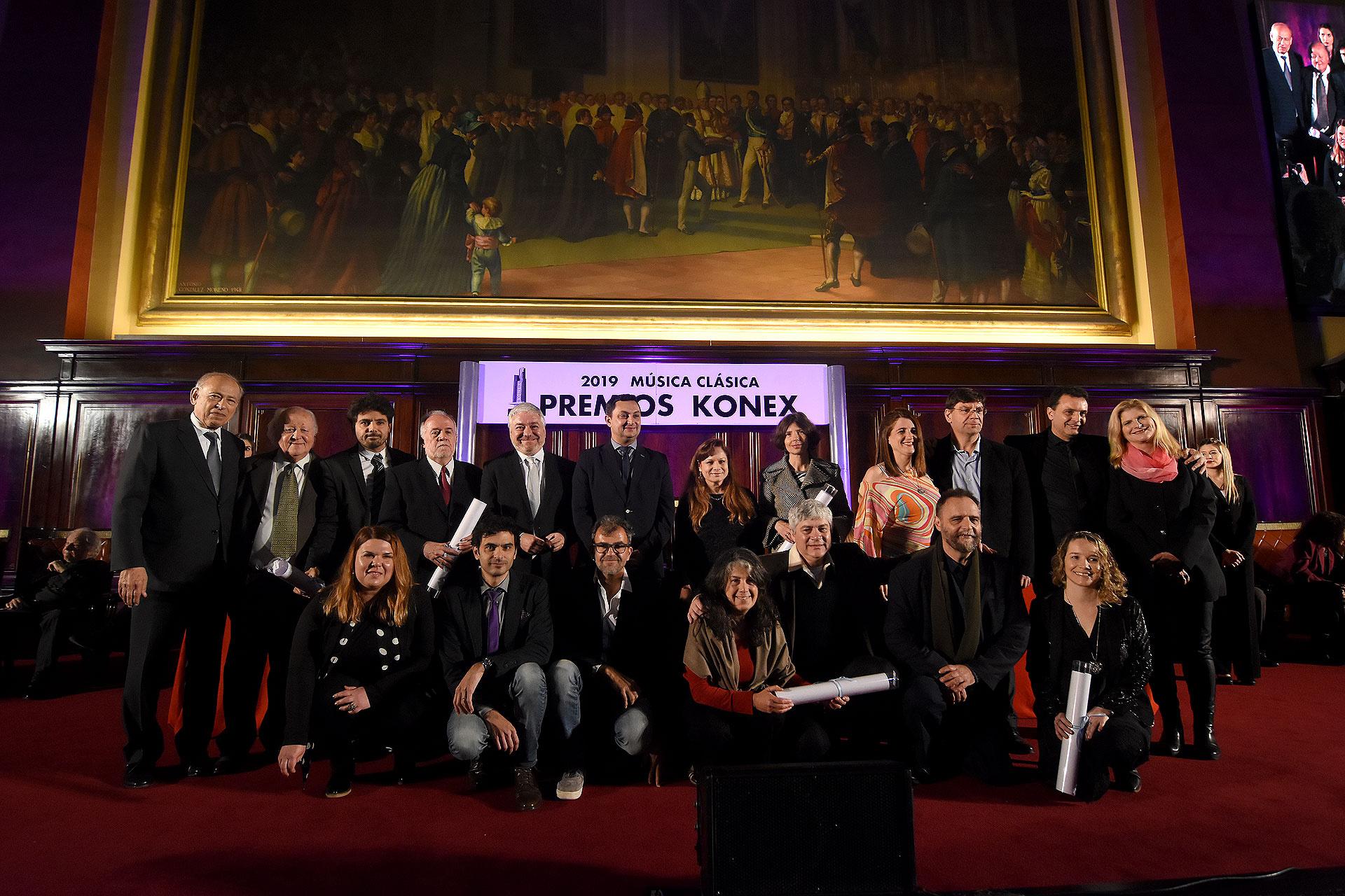 En la disciplina Coro, los representantes del Coro de Cámara de Córdoba, El coro Estable del Teatro Colón, Coro Nacional de Jóvenes, polifónico de Santa Fe y Tous Ensemble