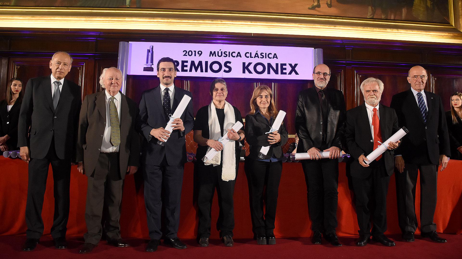 En la terna pianista, por Ingrid Fliter María Elena Hartung, Antonio Formaro, por Nelson Goerner su hermana María Silvia, Fernando Pérez y Daniel Riviera