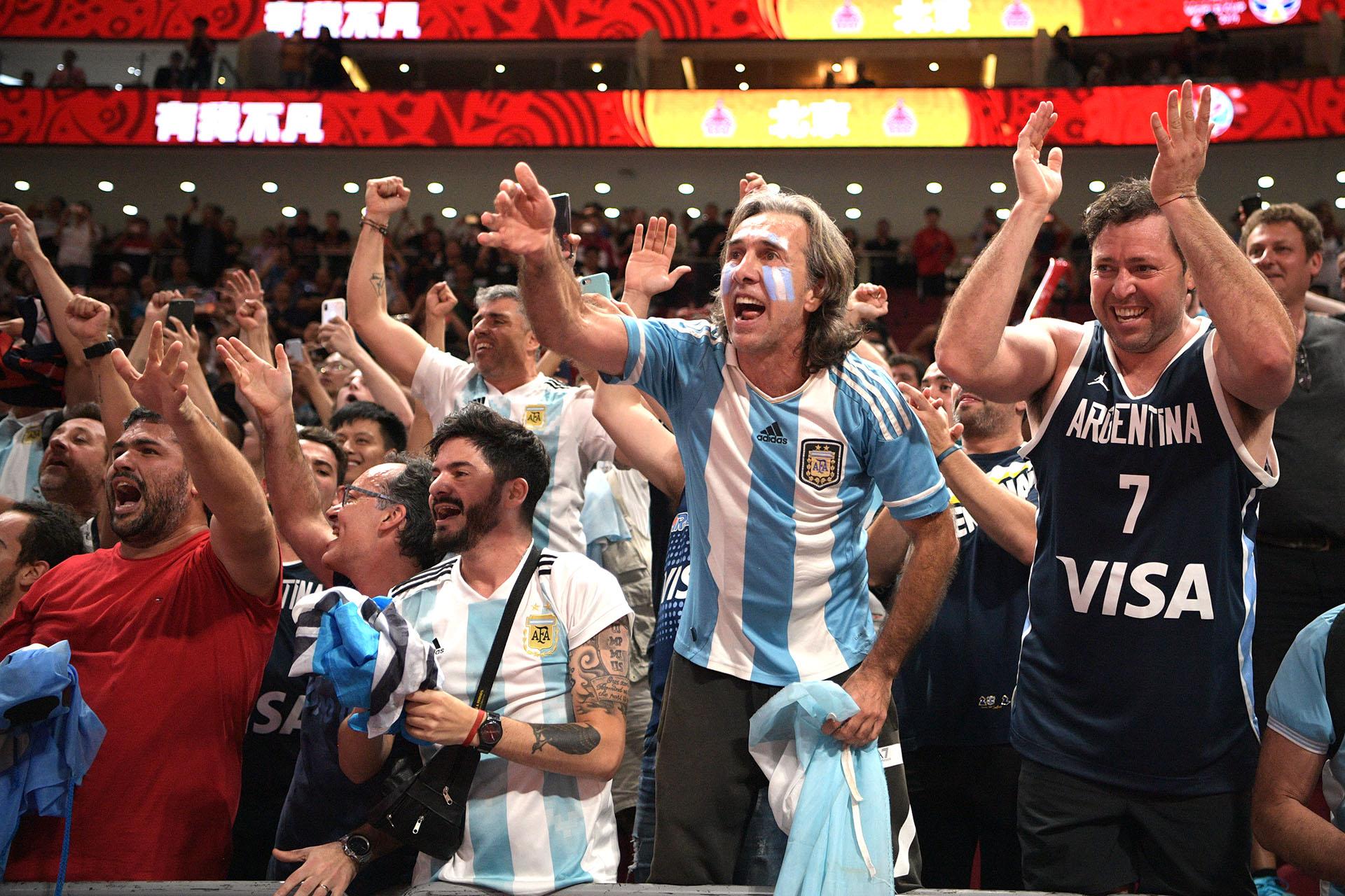 Los fanáticos de rgentina en Beijing (Photo by NOEL CELIS / AFP)