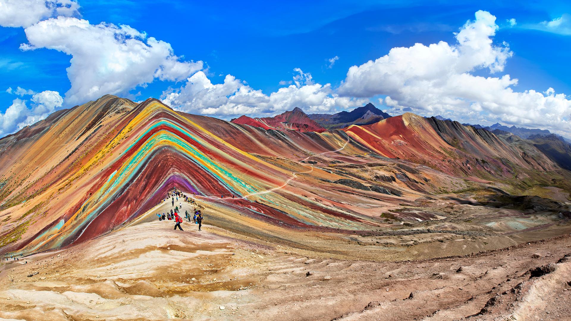 En Perú los festivales marcan ritos antiguos, la vanguardia urbana fomenta la innovación y la naturaleza otorga una espléndida diversidad /// Fotos: Shutterstock