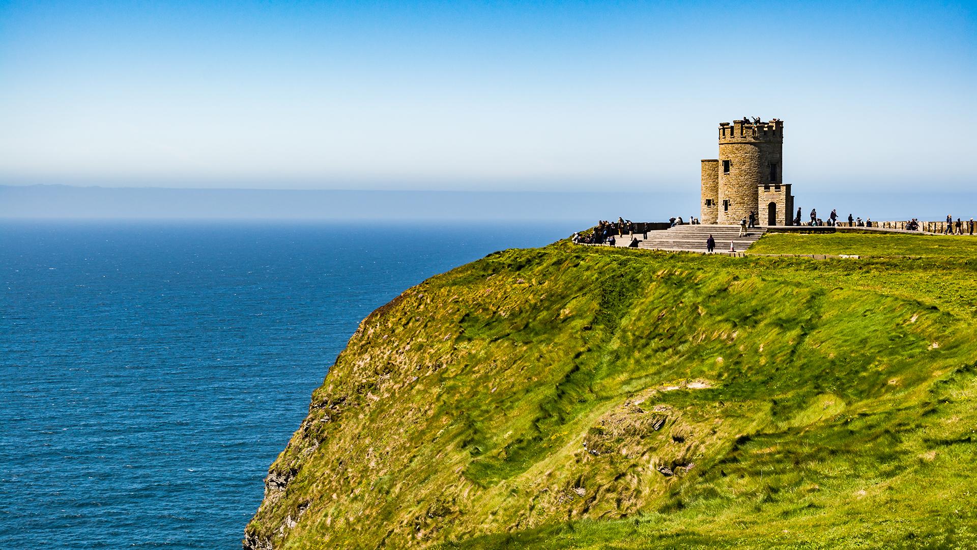 El paisaje verde, los animados pubs y los amigables residentes hacen de Irlanda un favorito para los visitantes