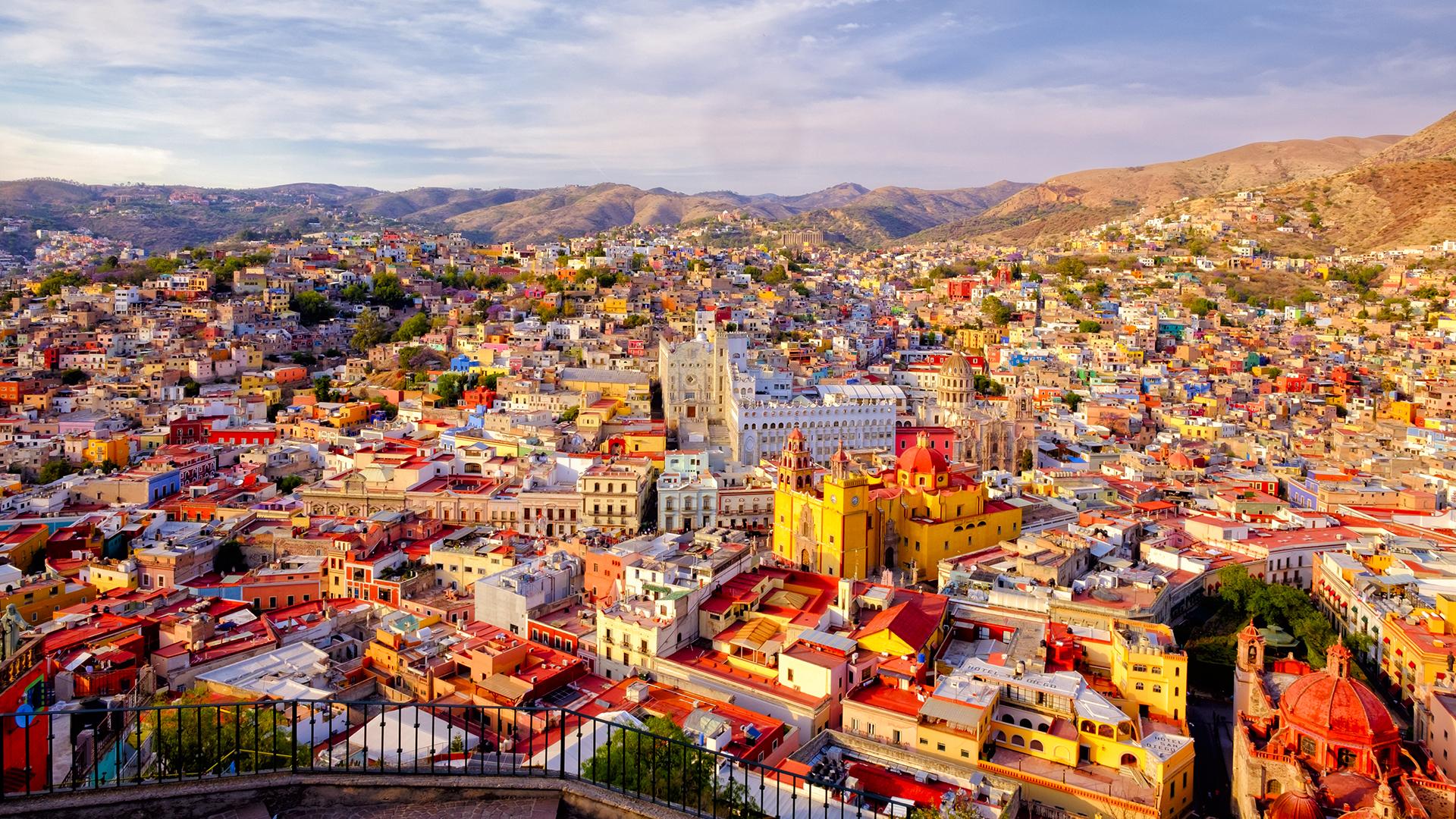 Hogar de 67 parques nacionales, costas y paisajes que van desde desiertos hasta volcanes nevados, México ocupa un lugar destacado en esta lista por muchas razones